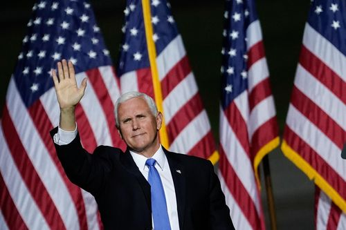 Image for Pence tests negative and continues campaigning despite Trump diagnosis