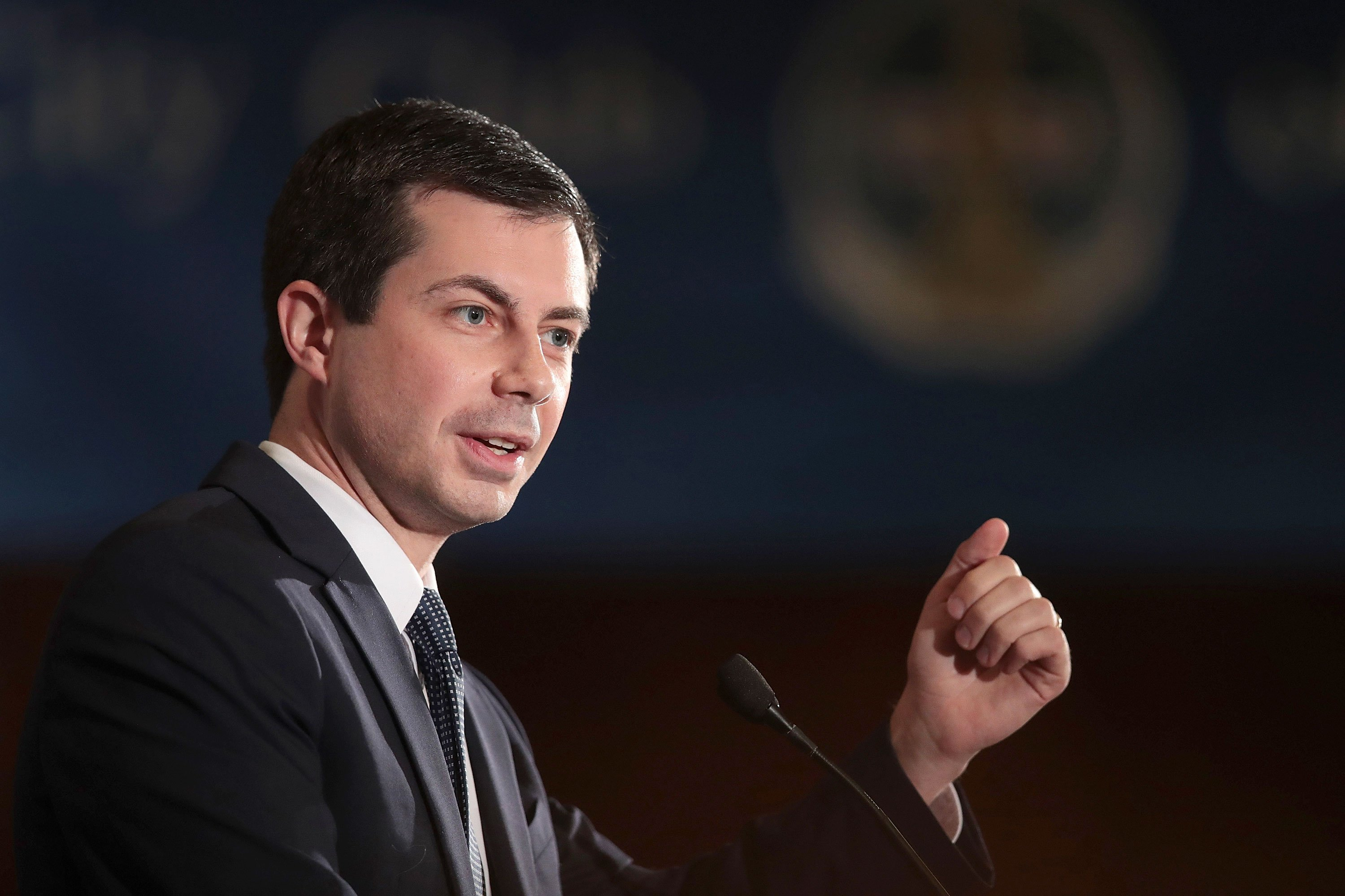 Buttigieg swipes at Warren for being 'evasive' on health care