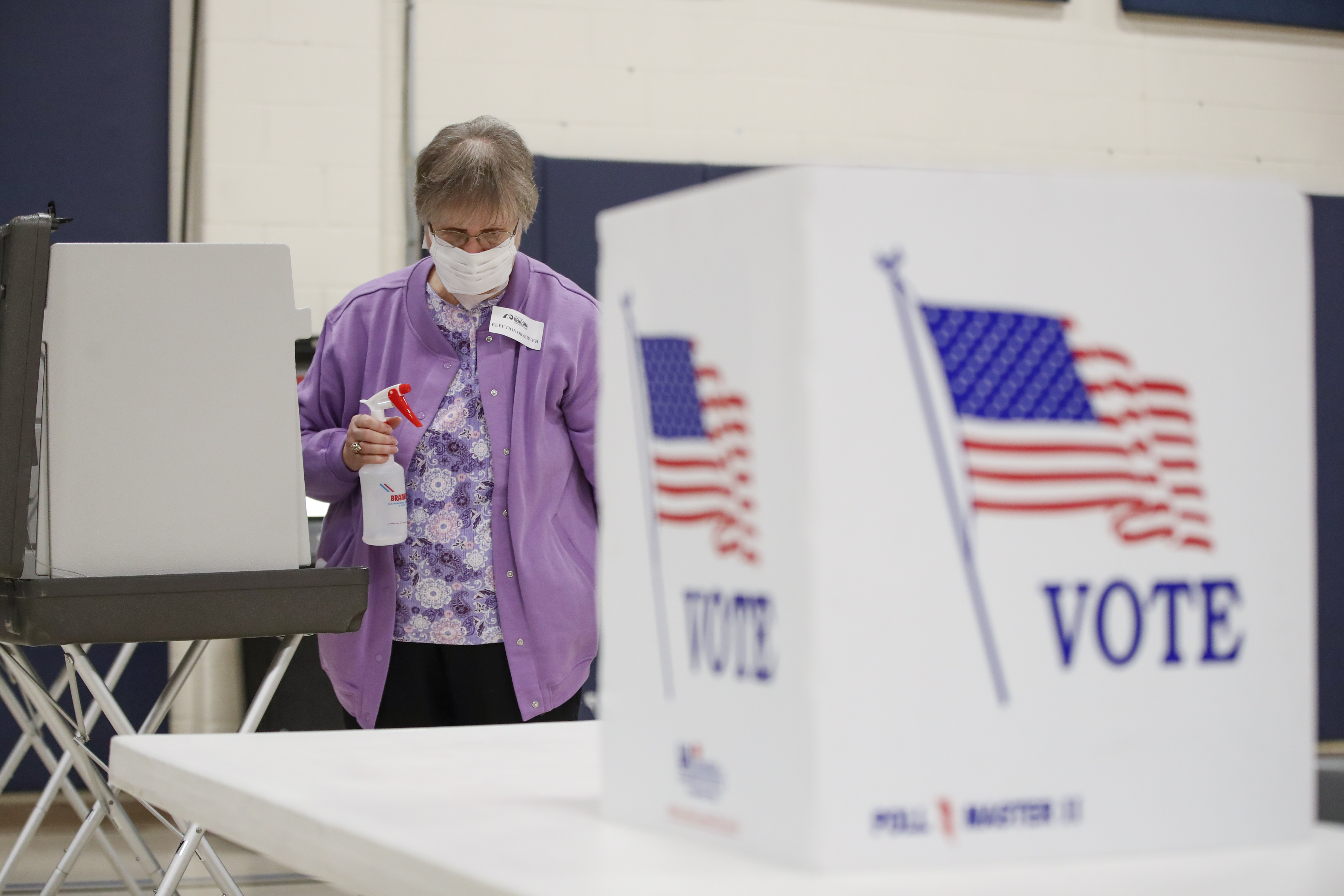 States scramble to recruit thousands of poll workers amid pandemic shortage