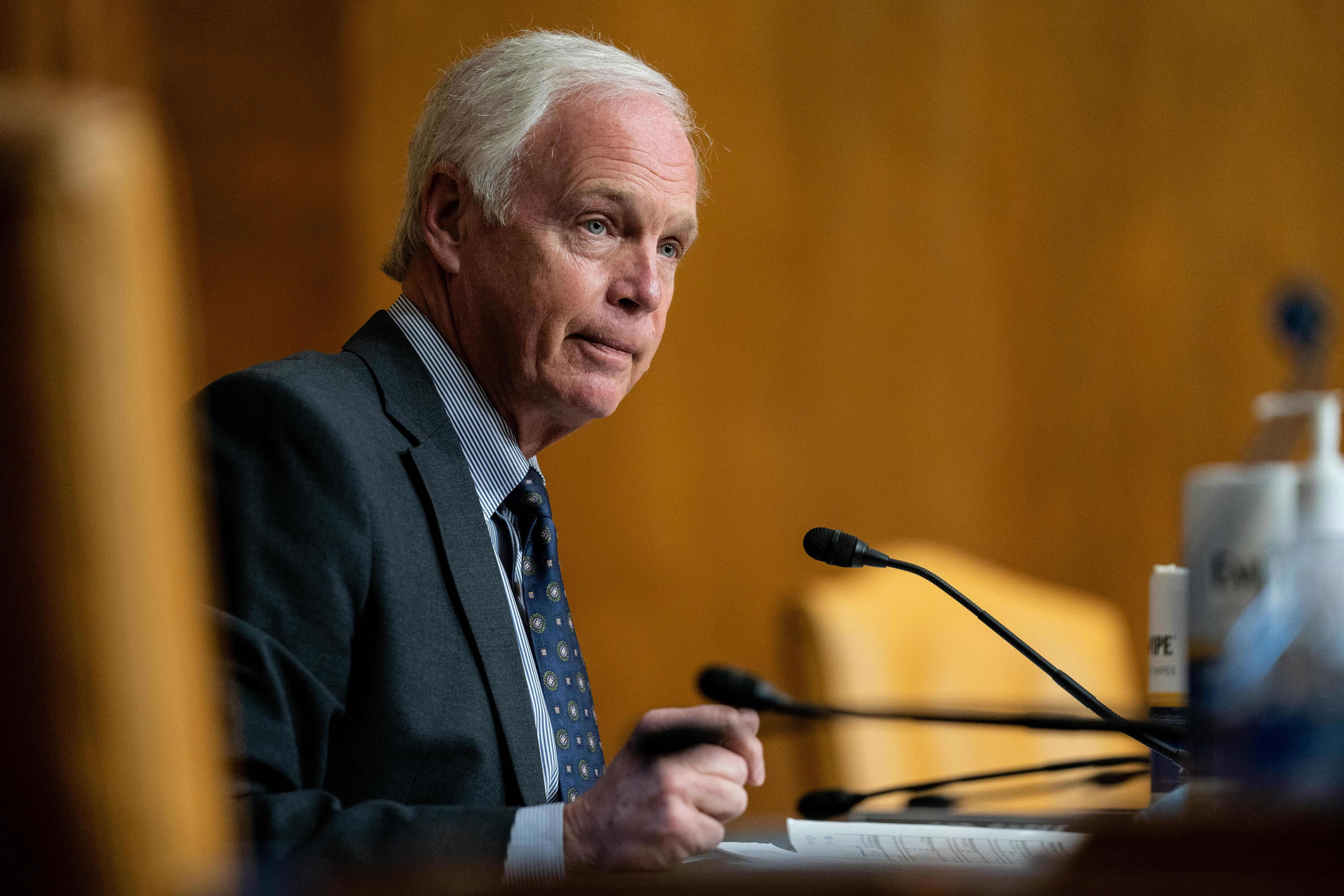 GOP Sen. Ron Johnson mouths to GOP luncheon that climate change is 'bullsh*t'