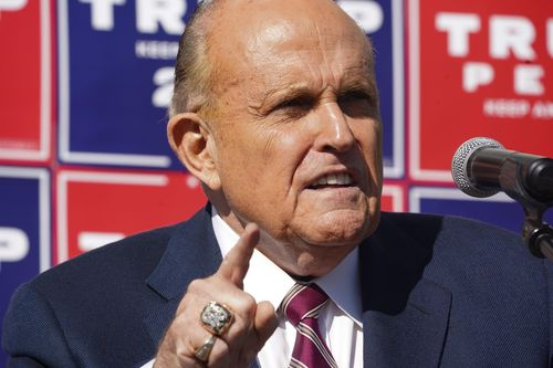 Image for Federal agents execute search warrants on Rudy Giuliani's Manhattan home and office