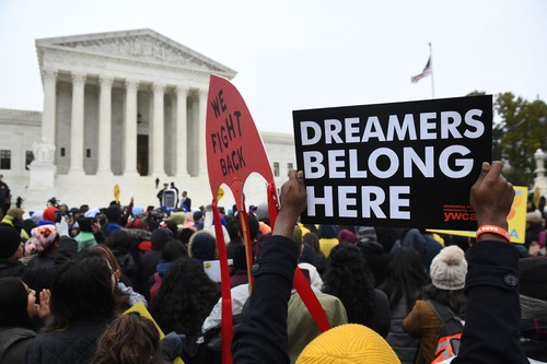 Image for Supreme Court blocks Trump from ending DACA