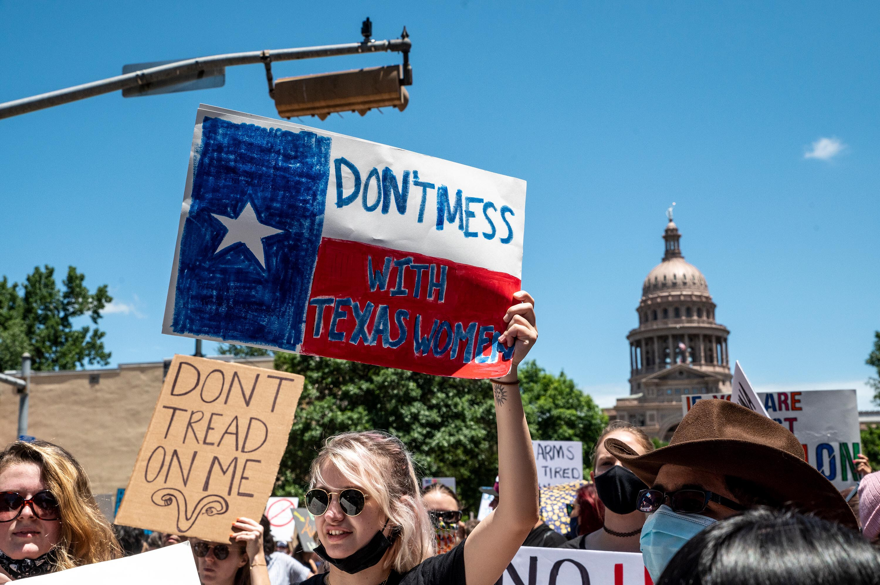Texas doctor who says he performed abortion sued in first known challenges under new law