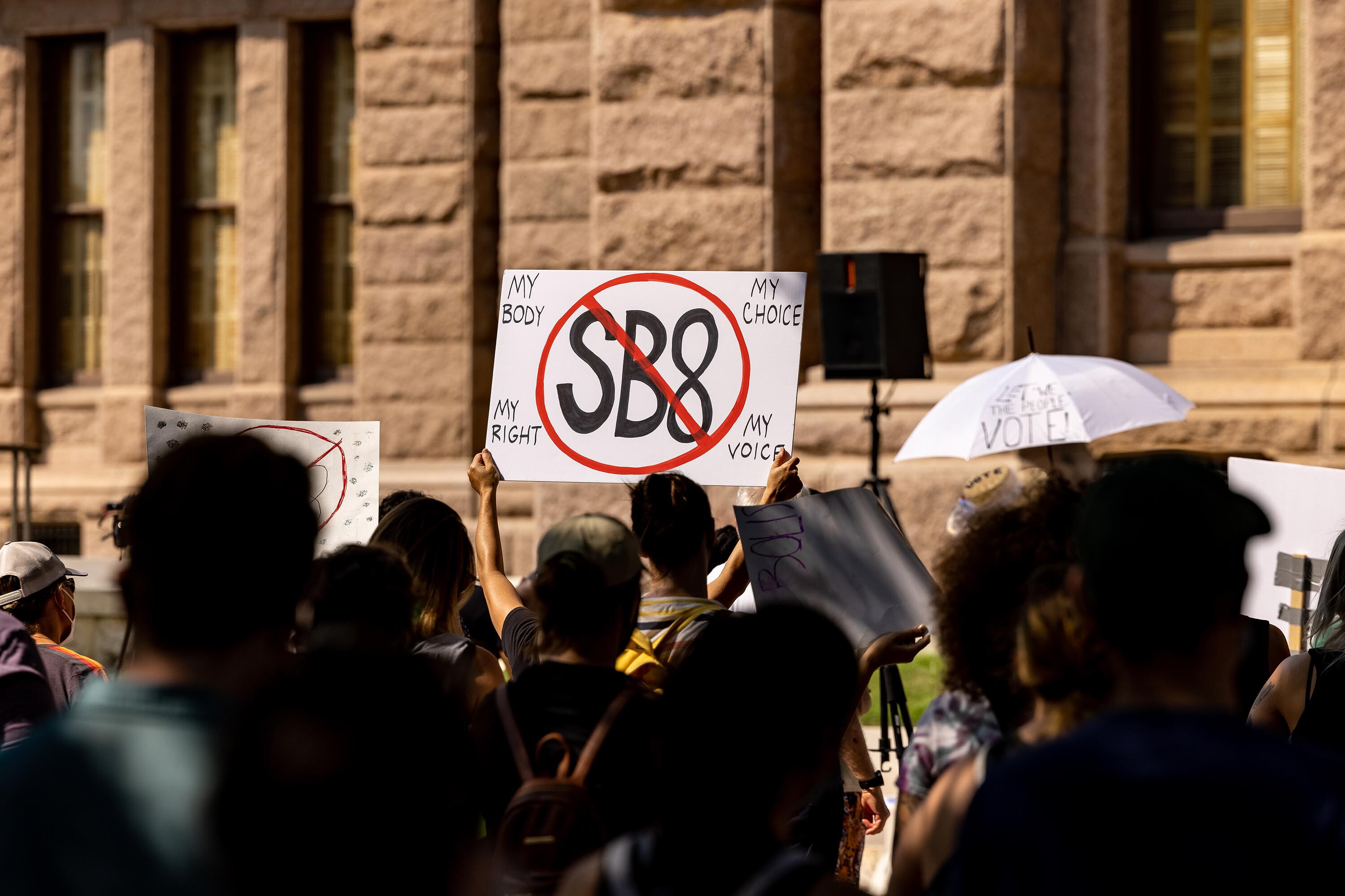 Texas urges appeals court to keep abortion ban in place as legal challenges play out