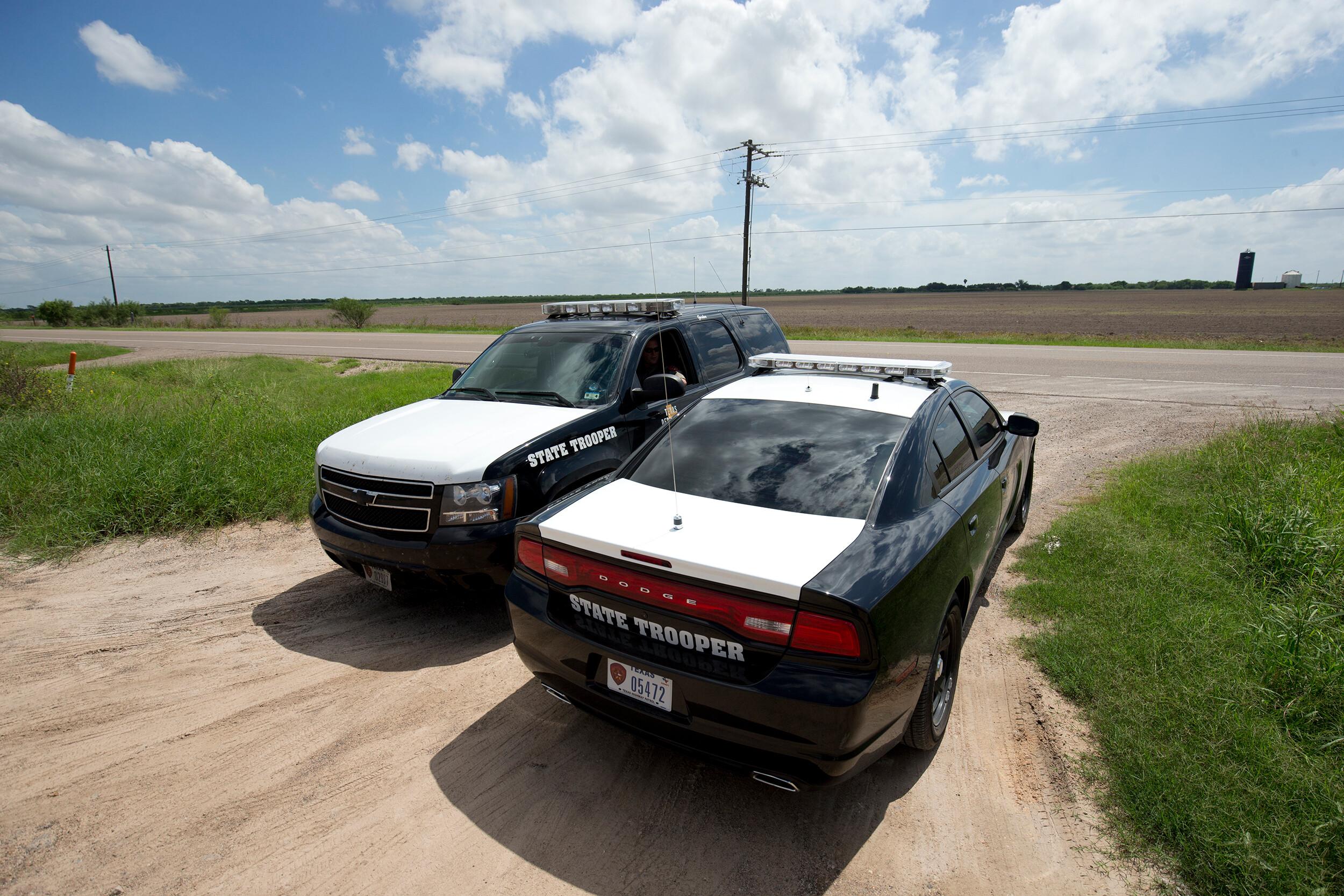 Judge temporarily blocks Texas order targeting transport of migrants