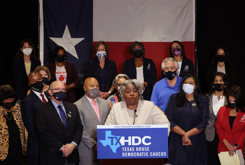 Texas Supreme Court temporarily blocks judge's order that prevented arrest of quorum-busting Texas Democrats