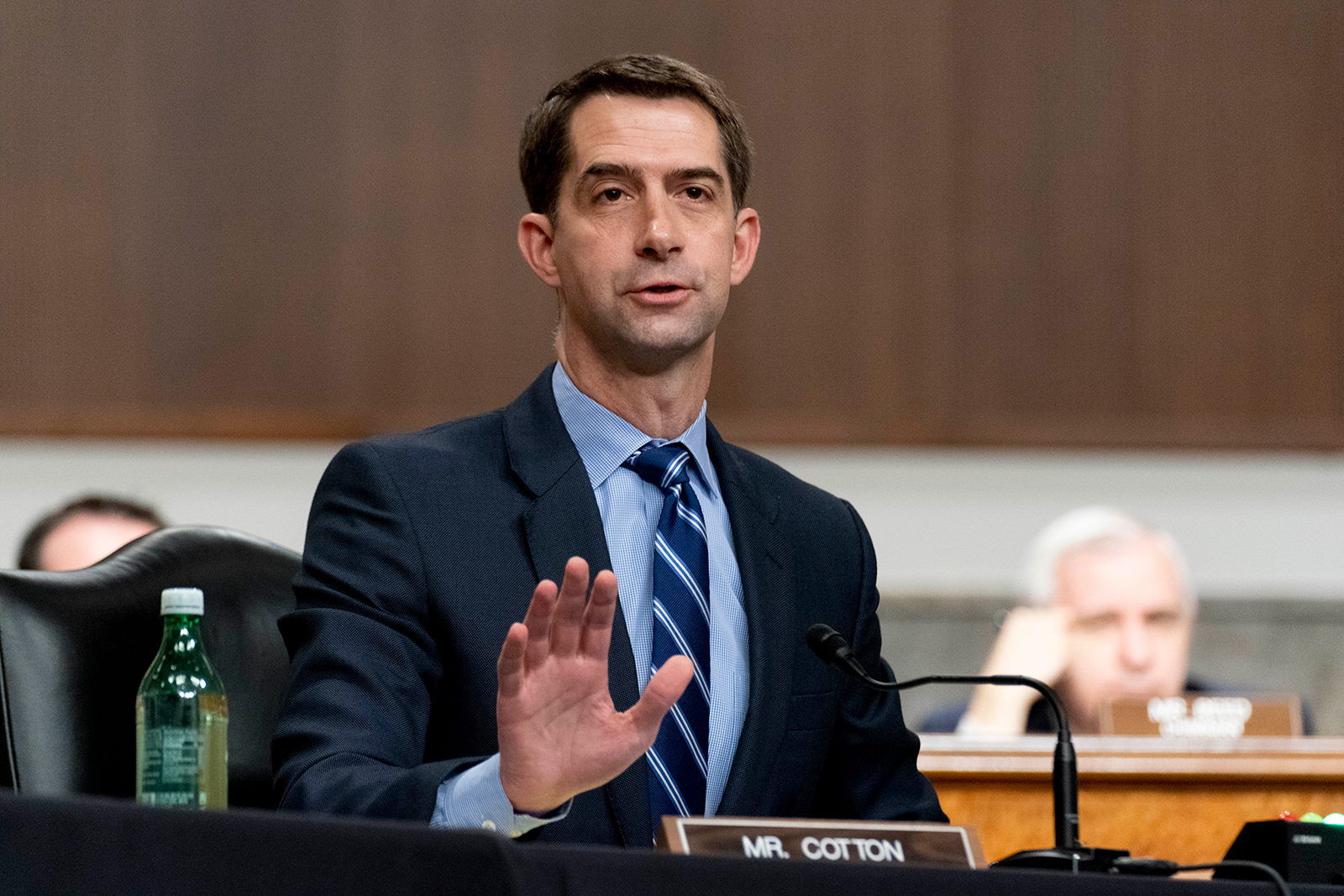 Sen. Tom Cotton blasts Biden over borders, cops and crime — and does push-ups with Chuck Grassley — in Iowa trip