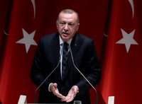 Trump invites GOP senators for unusual meeting with Erdoğan to 'clear the air'