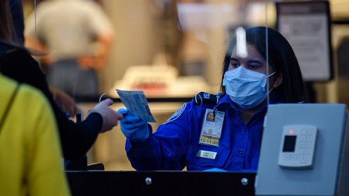 Image for TSA screened 2.7 million people over holiday weekend
