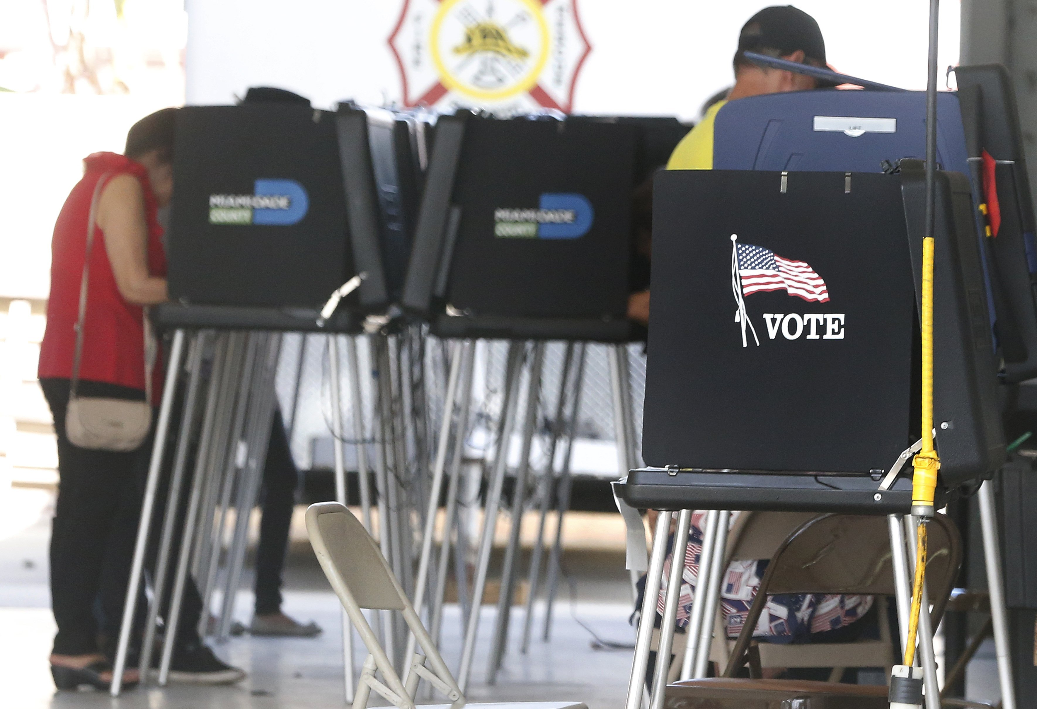 US spy chief names first election security coordinator