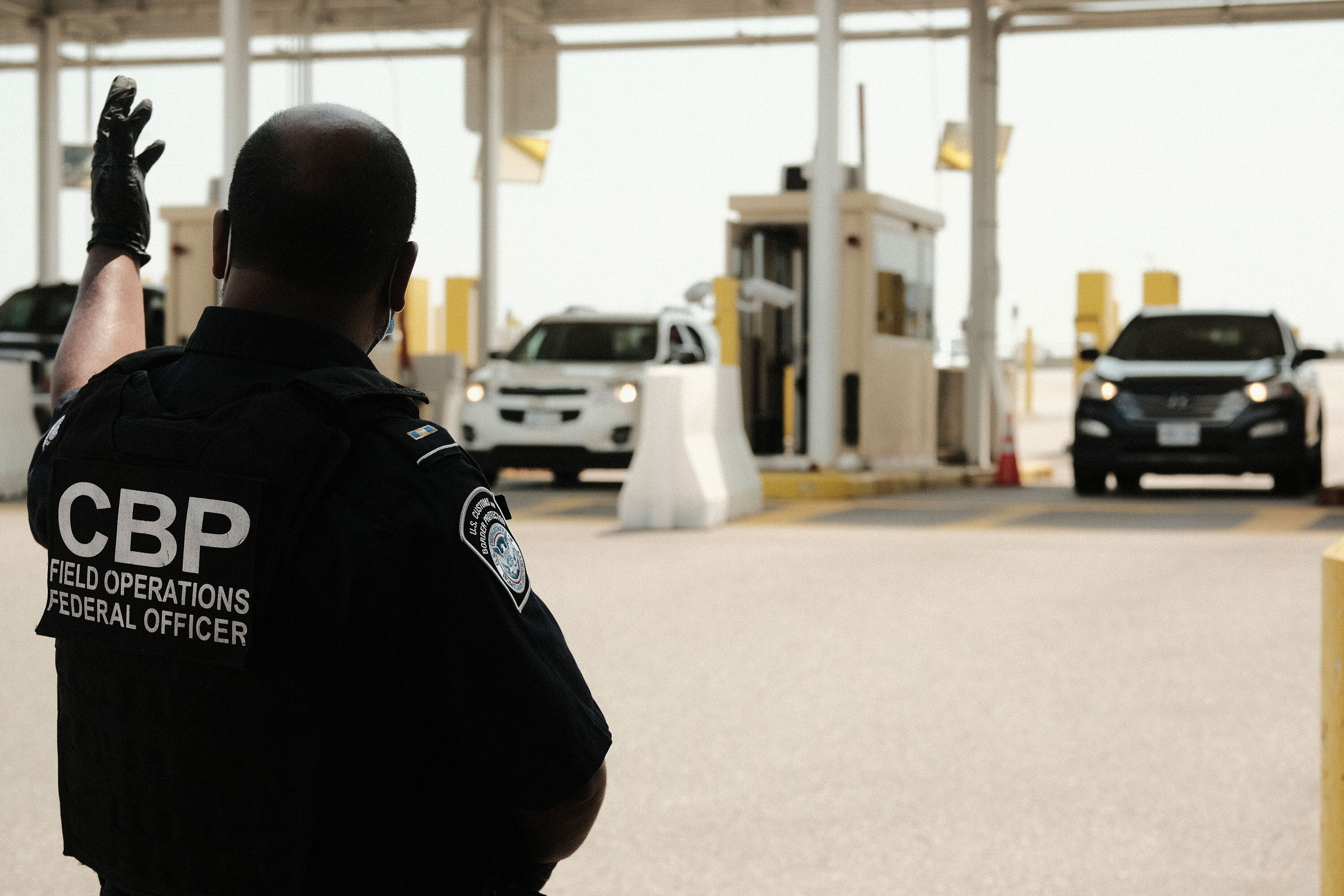 US will re-open Canadian and Mexican borders to fully vaccinated visitors