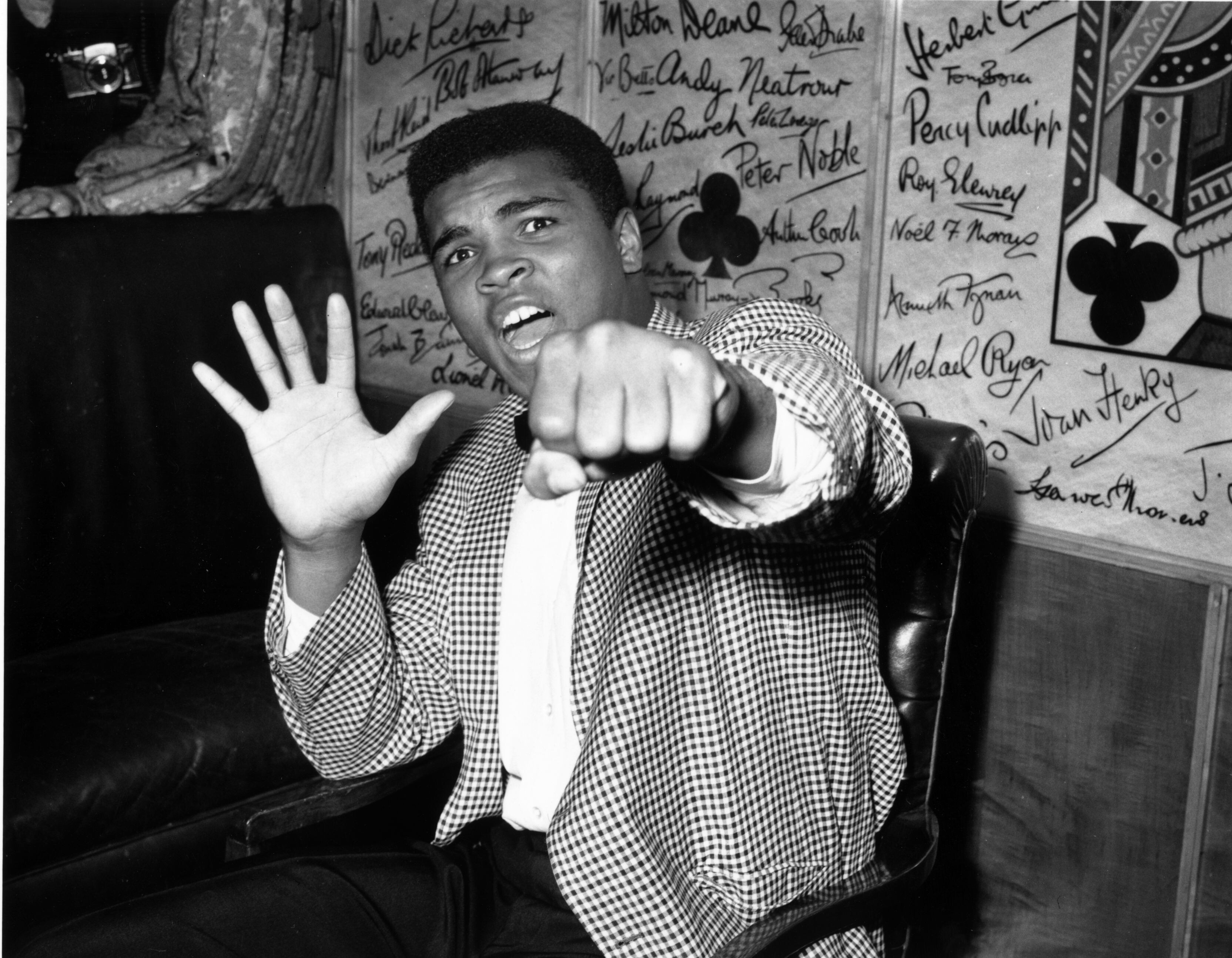 Muhammad Ali: Rare sketches by boxing great sell for nearly $1 million at auction