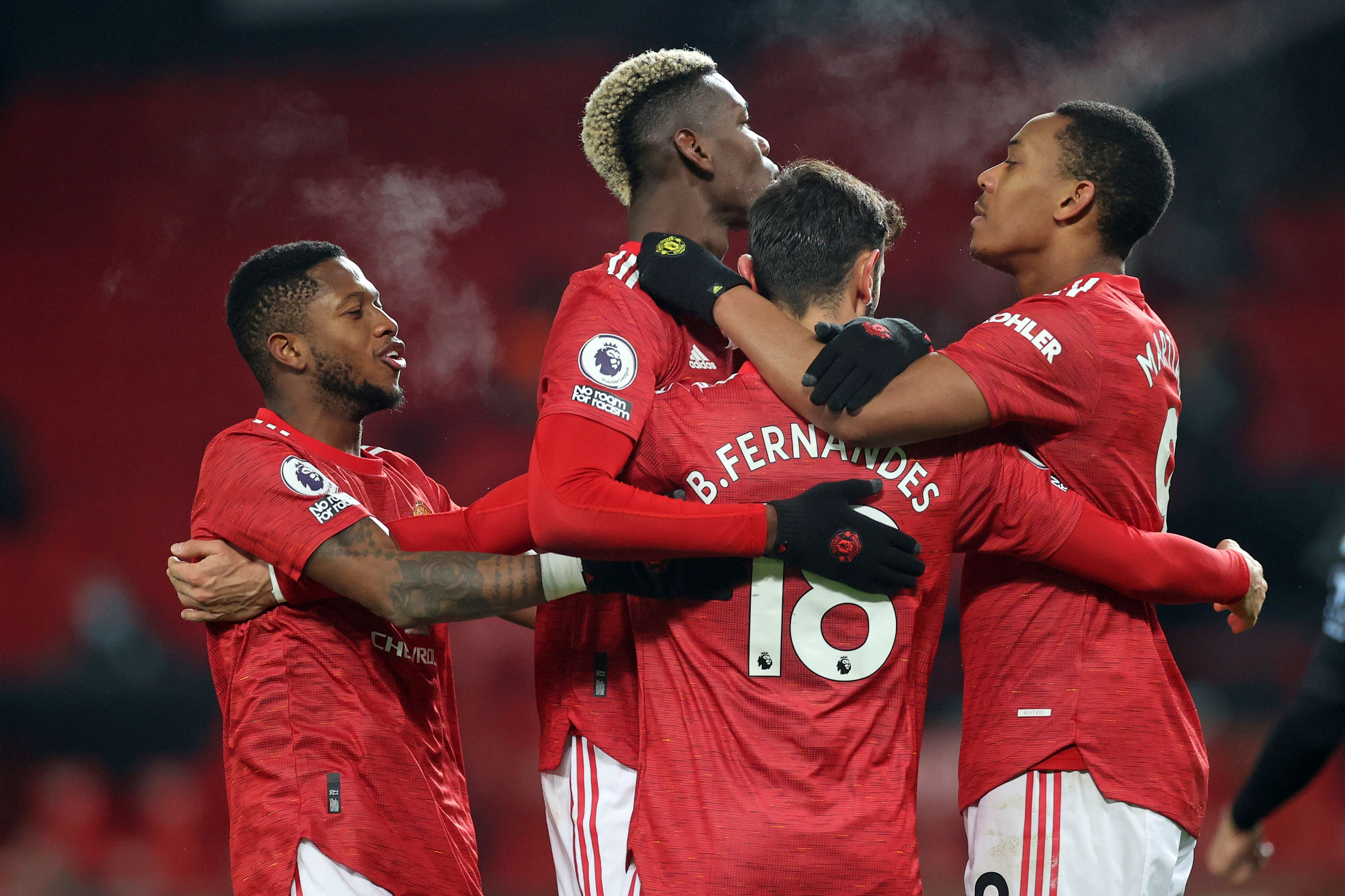 Manchester United draw level with Liverpool as Fernandes penalty sees off Villa