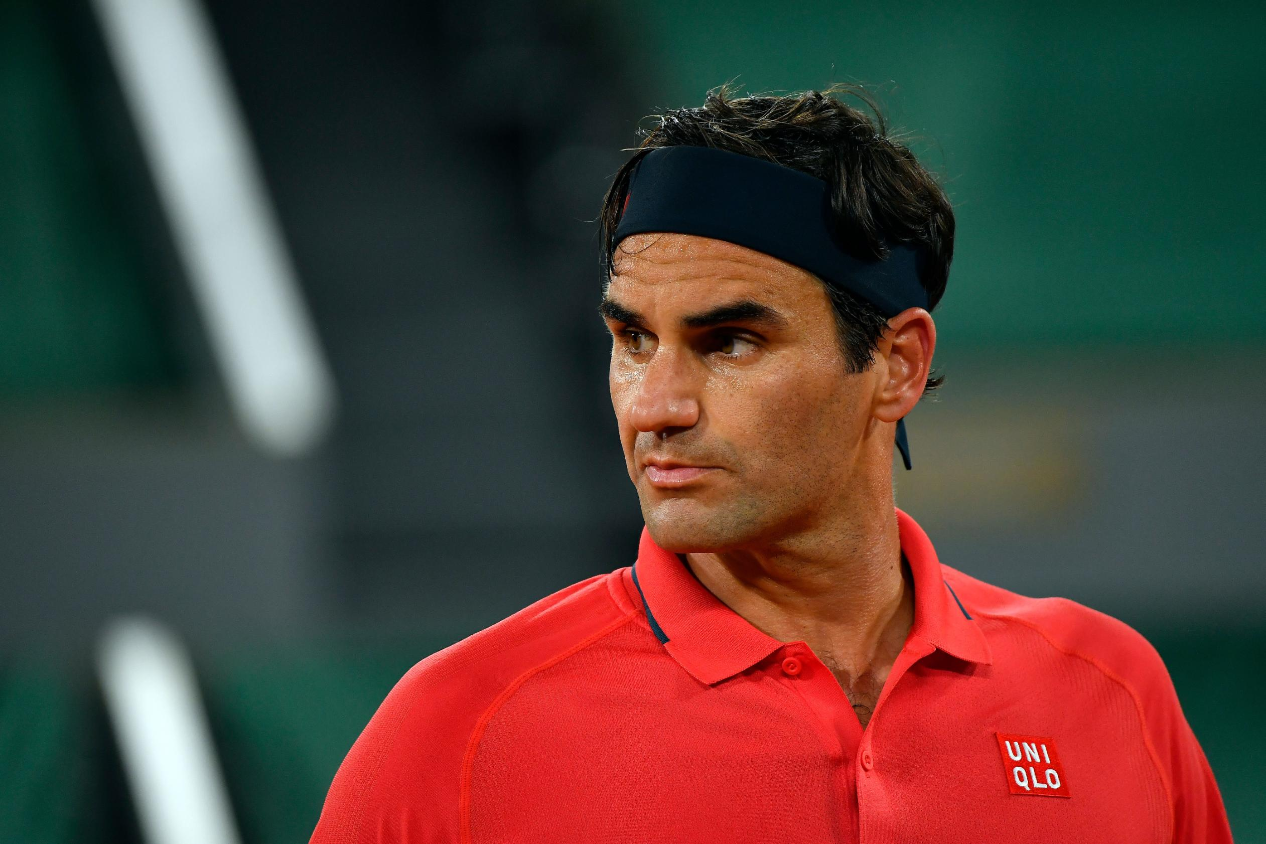 Roger Federer withdraws from French Open over knee concerns