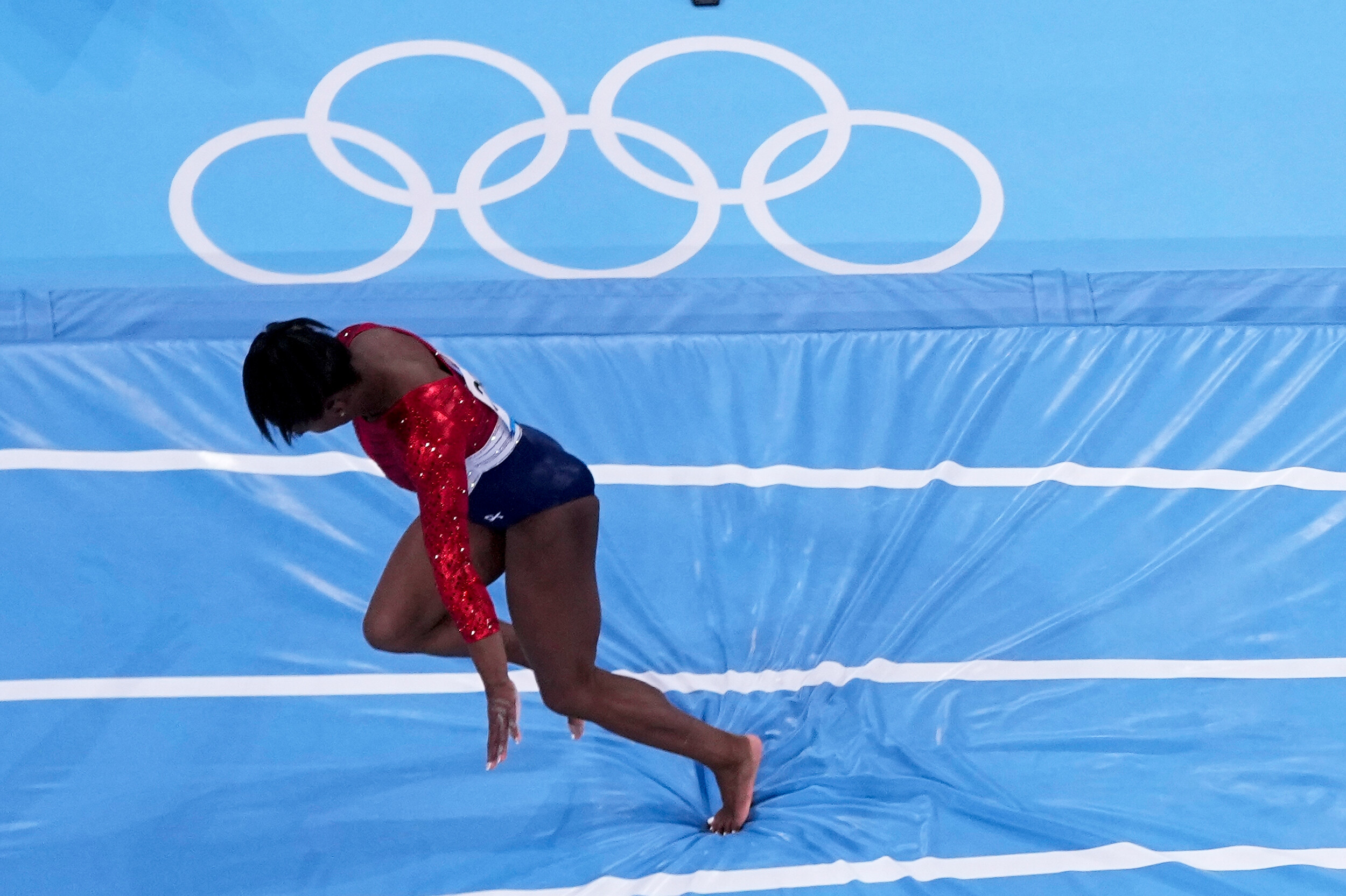 Simone Biles says she still has the 'twisties' and it's impacting her on the 4 individual events