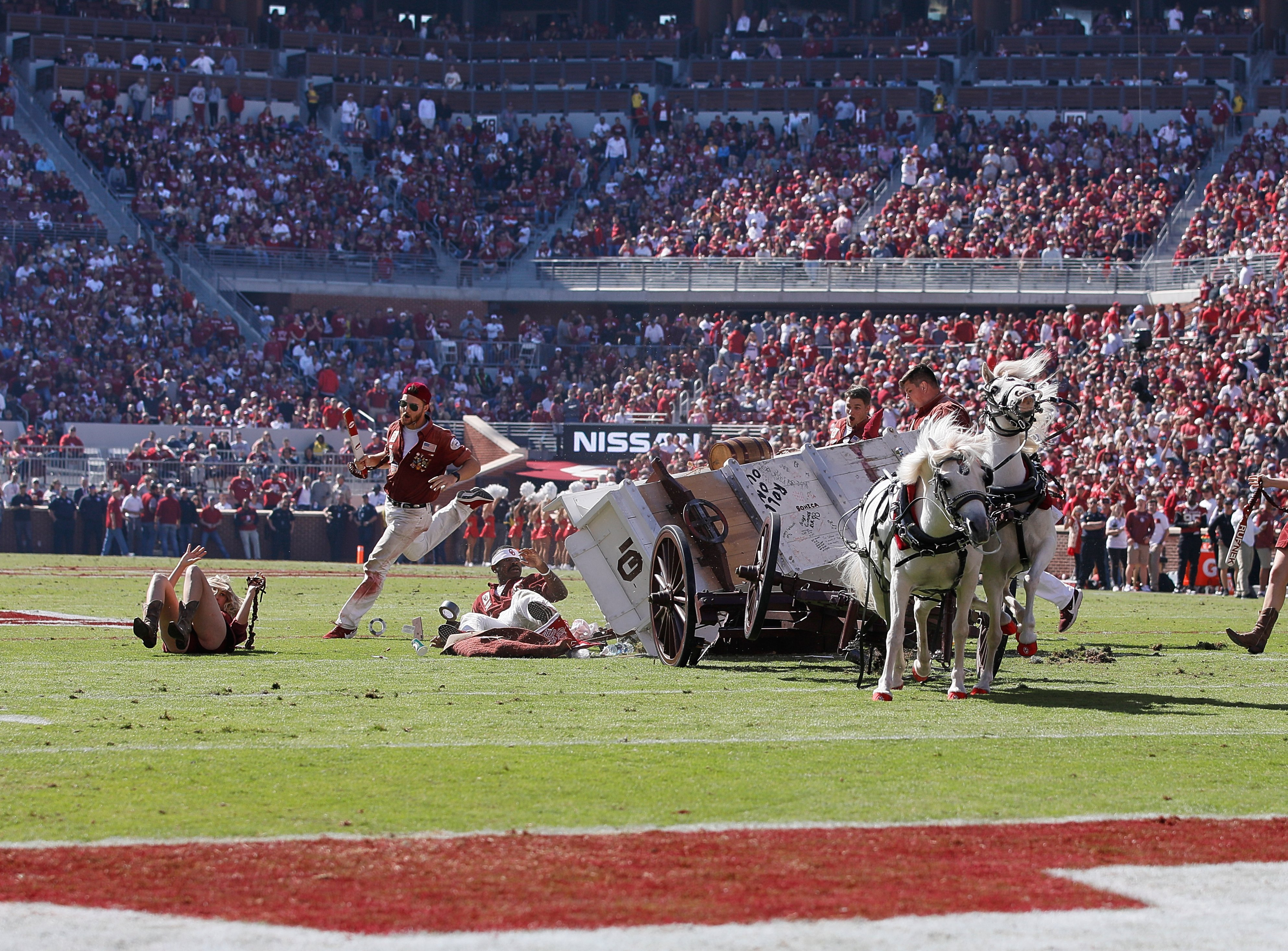 University of Oklahoma's iconic Sooner Schooner crashed during a touchdown celebration