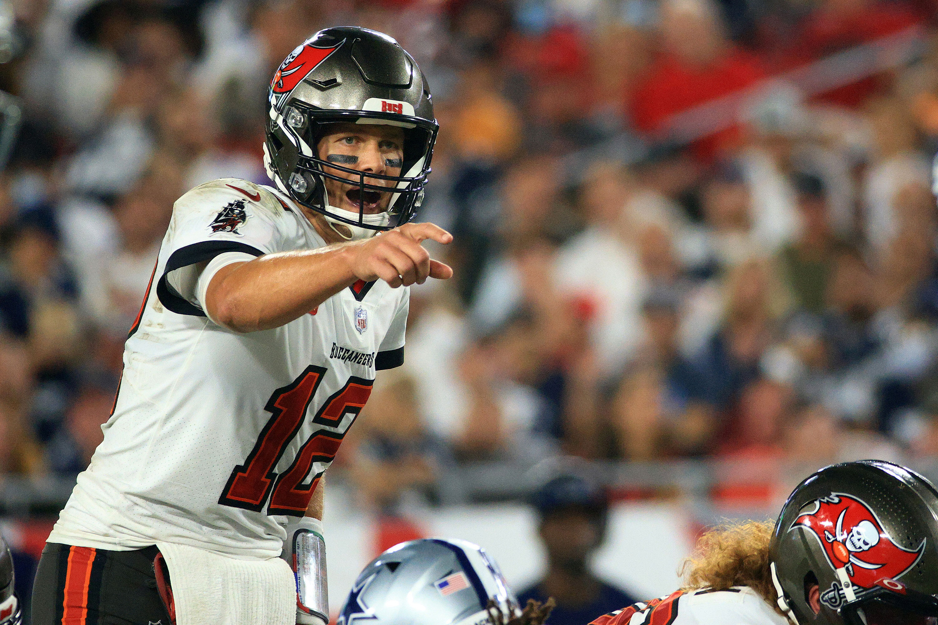 Tom Brady hypes Buccaneers-Patriots game with 'homecoming' video