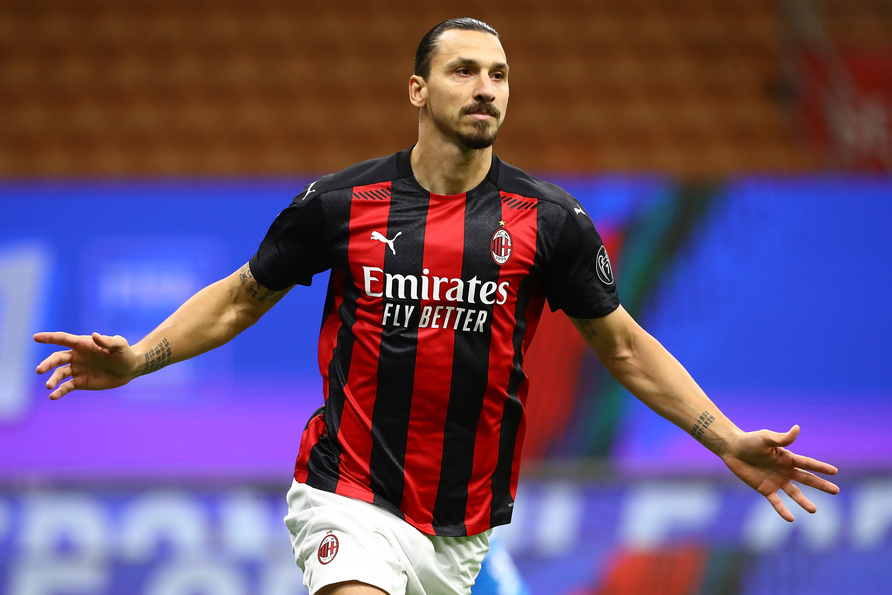 Zlatan Ibrahimovic scores twice as Serie A leader AC Milan draws against AS Roma