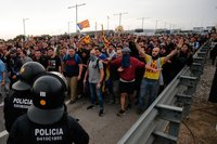 Spanish league asks to move El Clásico from Barcelona amid Catalan protests