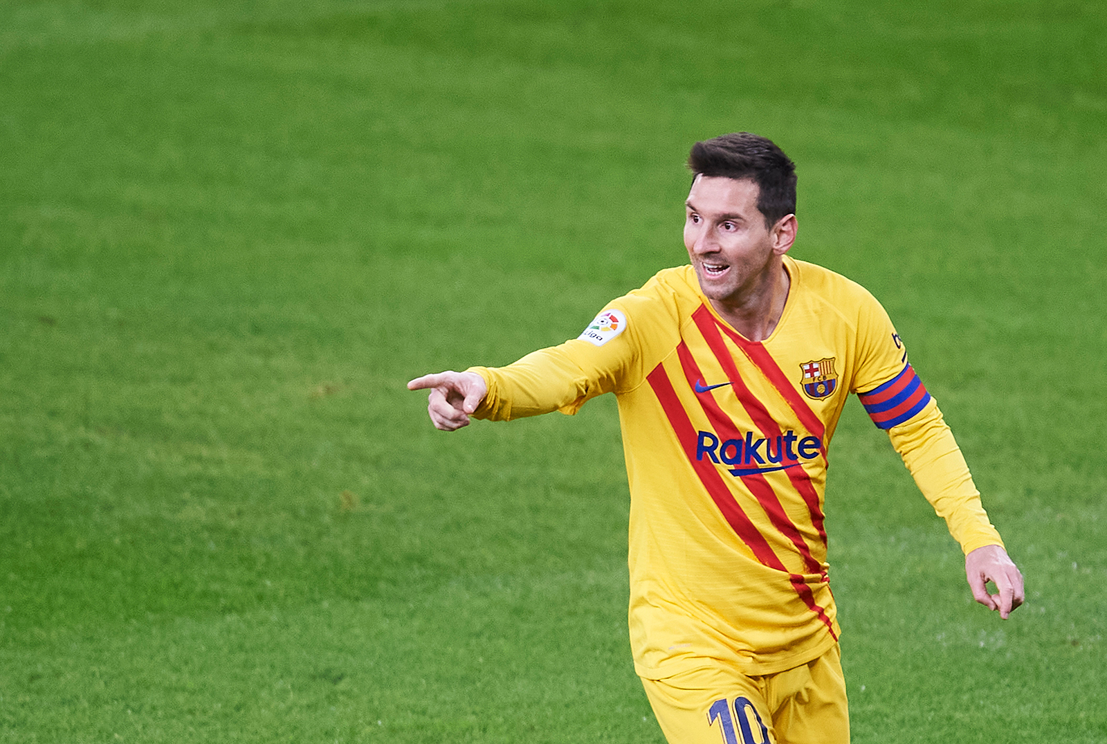 Lionel Messi scores twice to help resurgent Barcelona move to third in La Liga