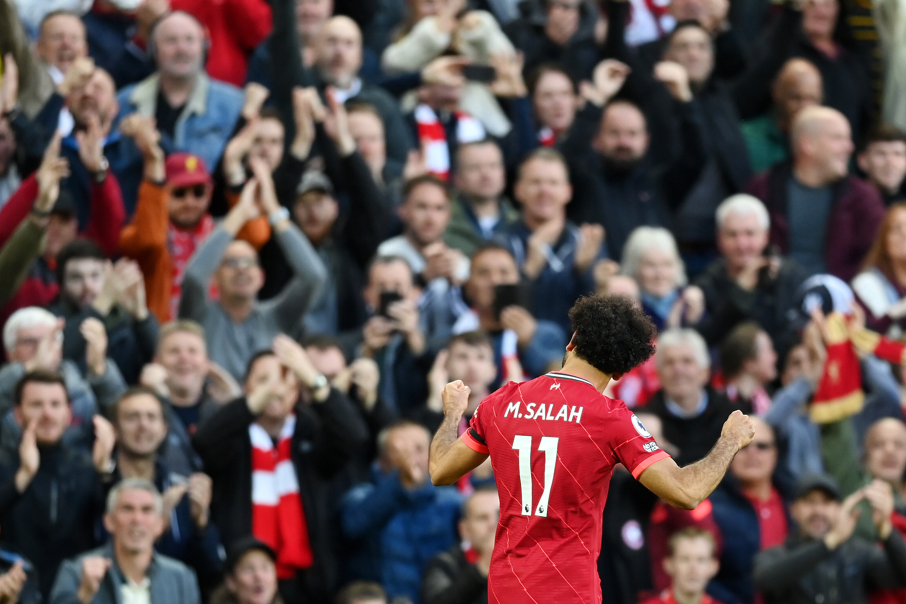 Mohamed Salah scores stunning solo goal as Liverpool draws with Manchester City