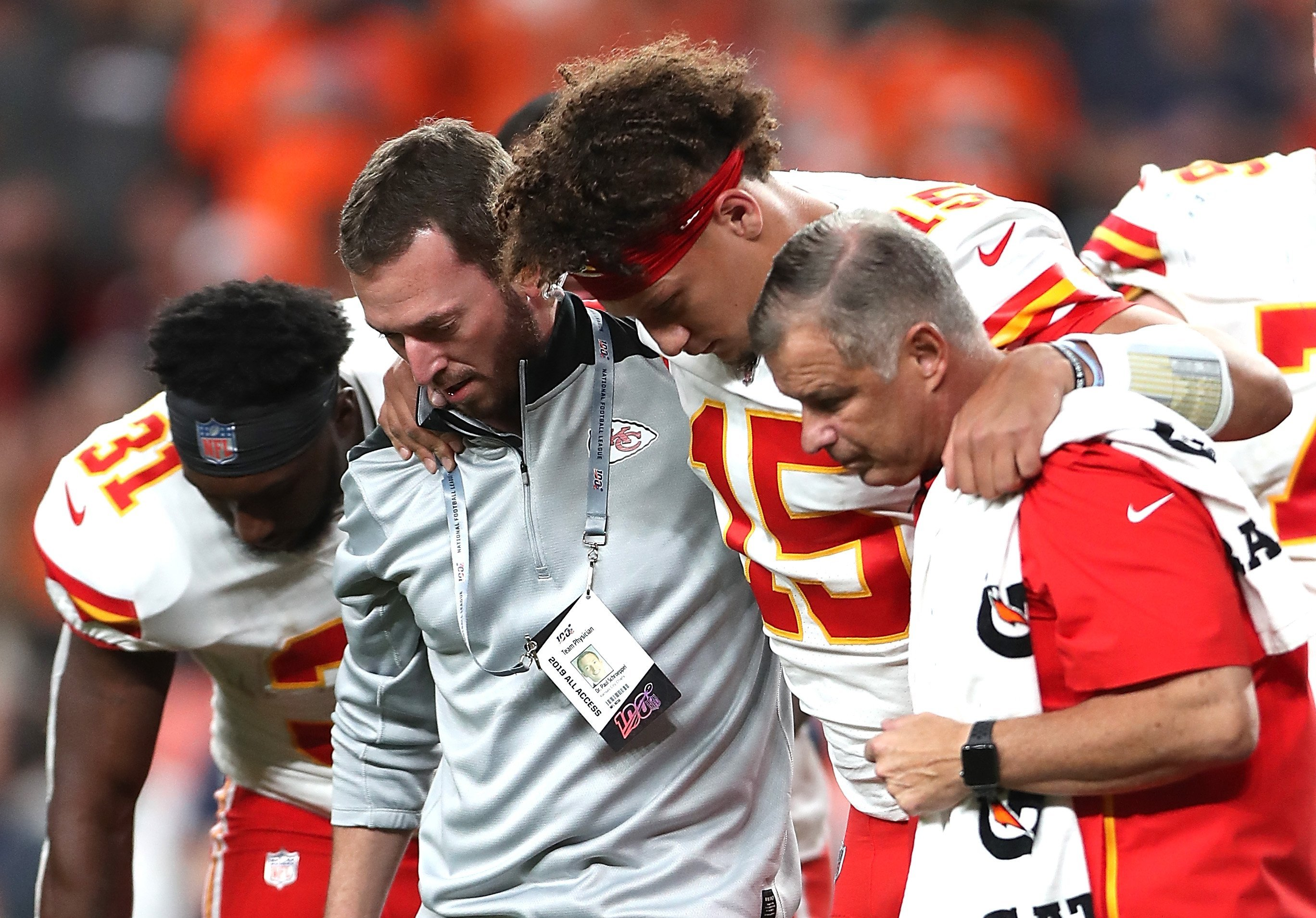 Reigning NFL MVP Patrick Mahomes suffers freak kneecap dislocation