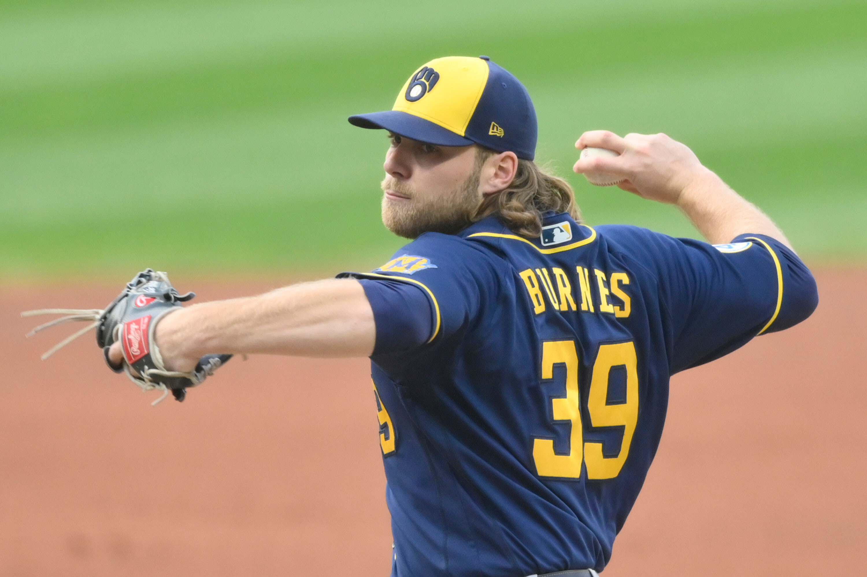 2 Milwaukee Brewers combine to throw MLB's record 9th no-hitter this season
