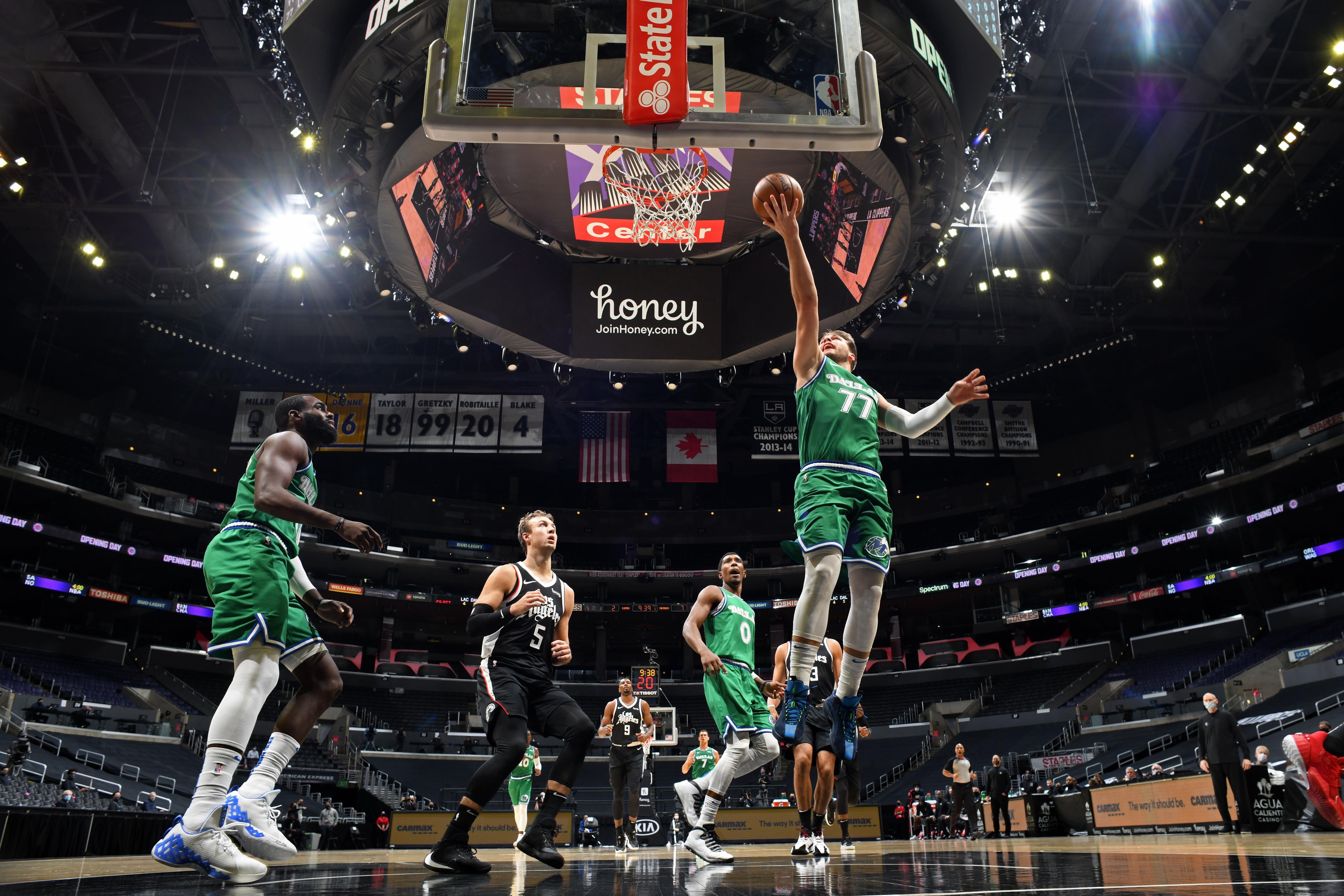 Dallas Mavericks blow out LA Clippers by 51 points