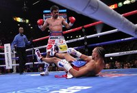 Manny Pacquiao beats Keith Thurman in split decision for welterweight crown