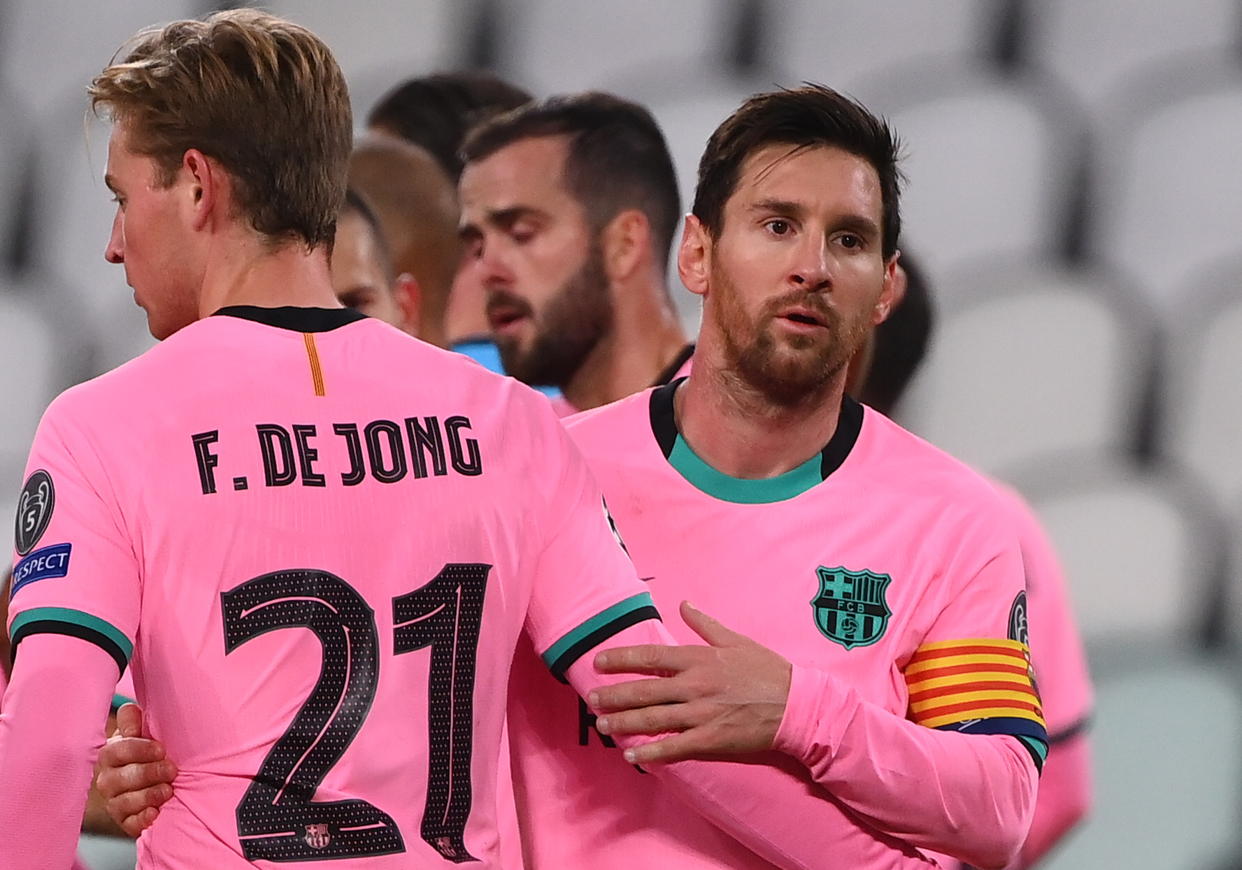 Lionel Messi scores as Cristiano Ronaldo misses Barcelona's victory over Juventus