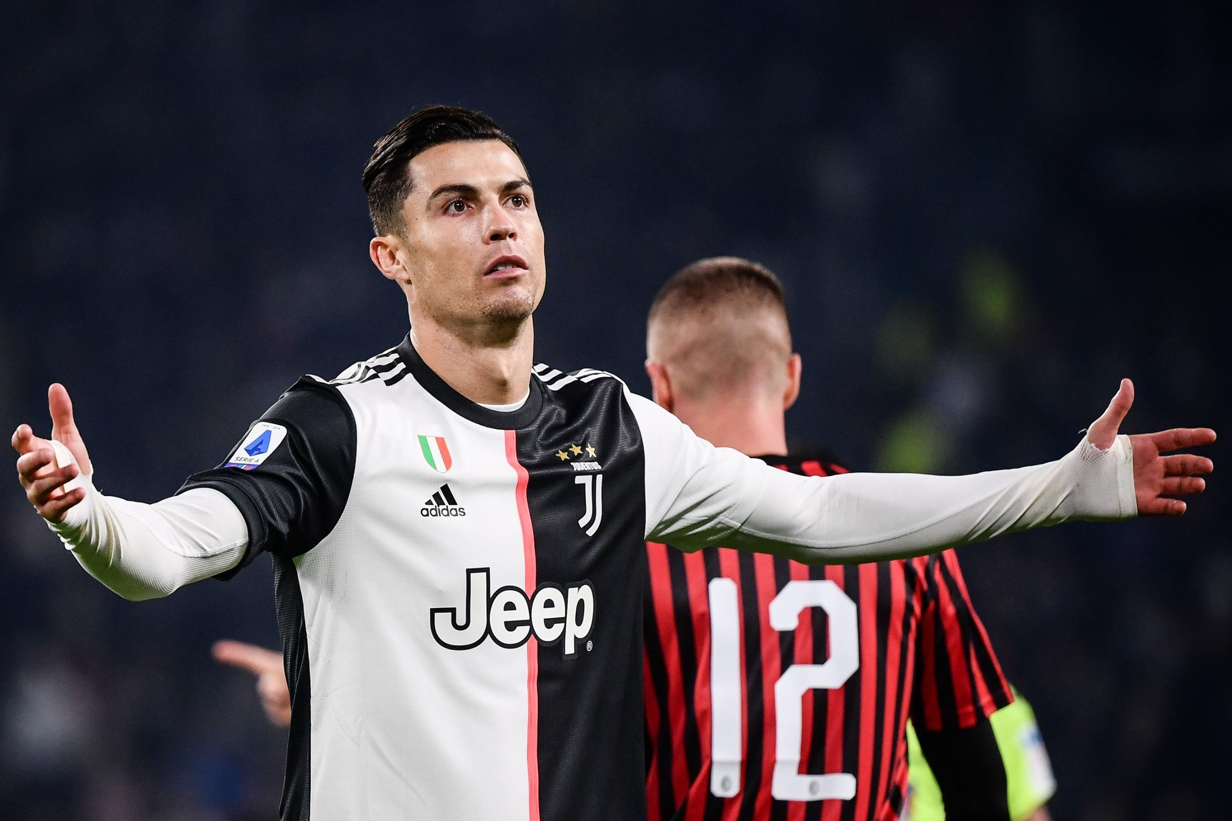 Cristiano Ronaldo 'is not a problem,' says Juventus coach Maurizio Sarri
