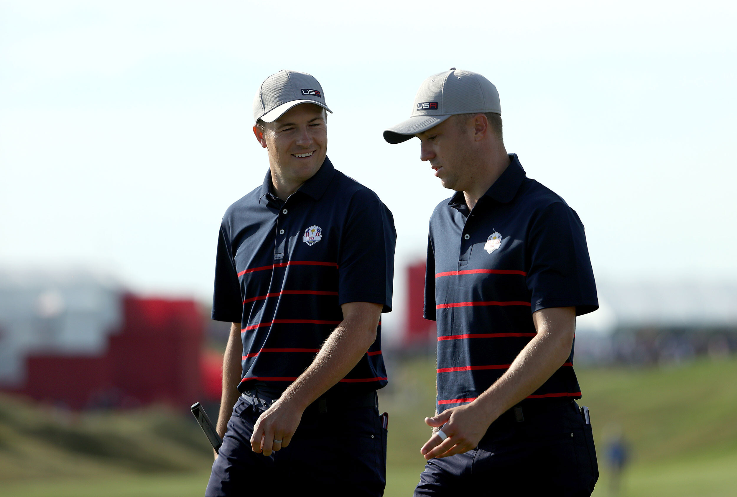 Jordan Spieth plays 'insane' almost-vertical shot, nearly falls into Lake Michigan at Ryder Cup