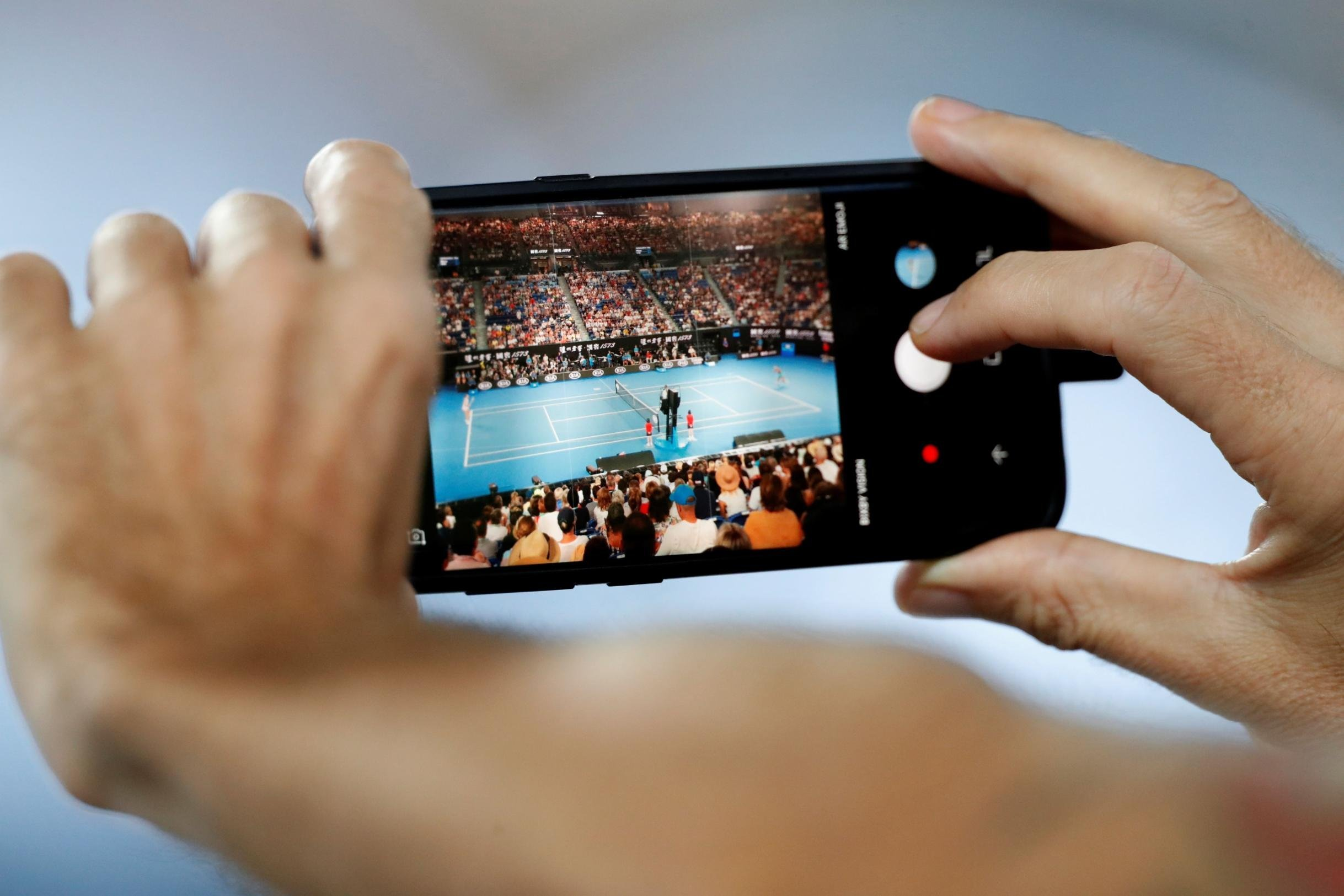 Are smartphones holding back tennis's next generation?