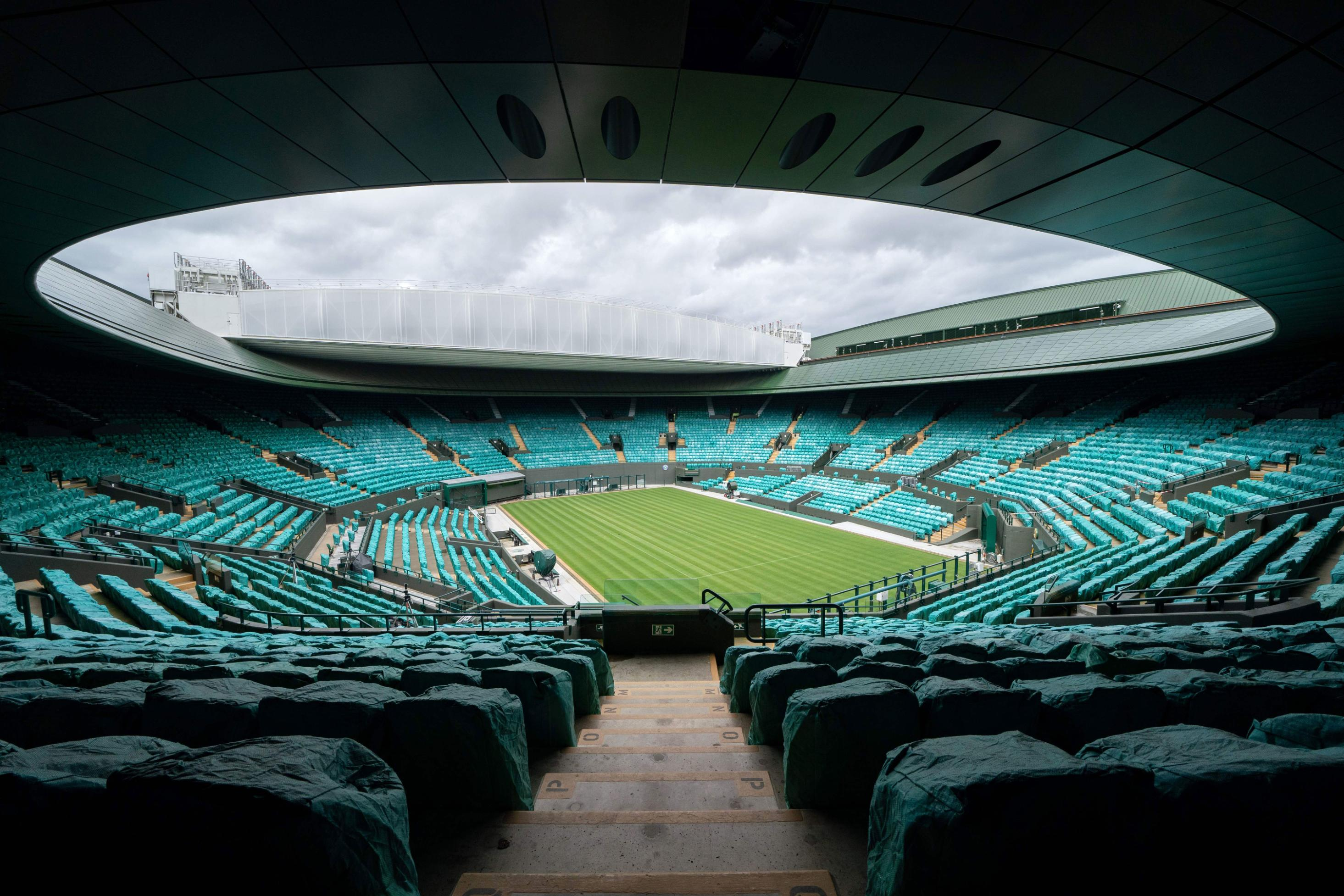 Wimbledon organizers cut prize money by 5%, aim for full stadium capacity