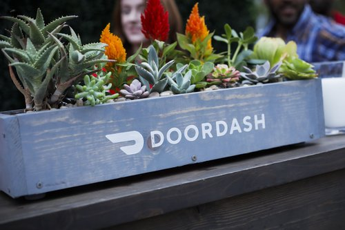 Image for DoorDash details new tipping policy after backlash