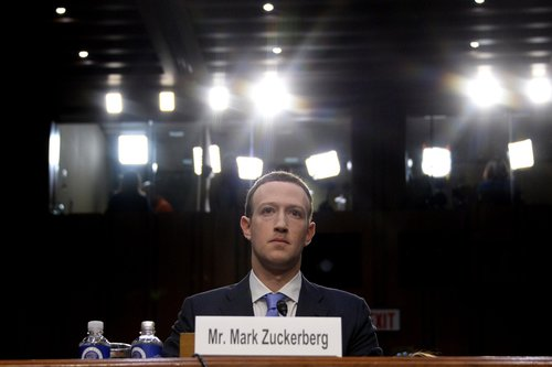 Image for Facebook staff had concerns about 'sketchy' Cambridge Analytica year before 2016 election