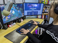 A 22-year-old Harvard grad launched his own amateur esports company for adult gamers