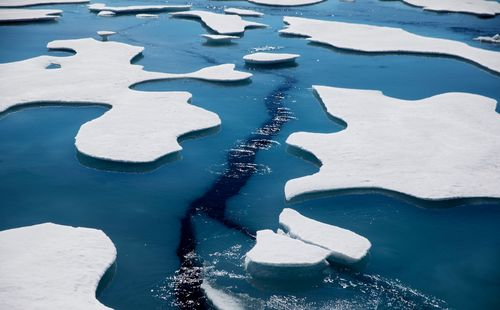 Image for From Norway to Canada, the Arctic Ocean is being polluted by tiny plastic fibers from our clothes