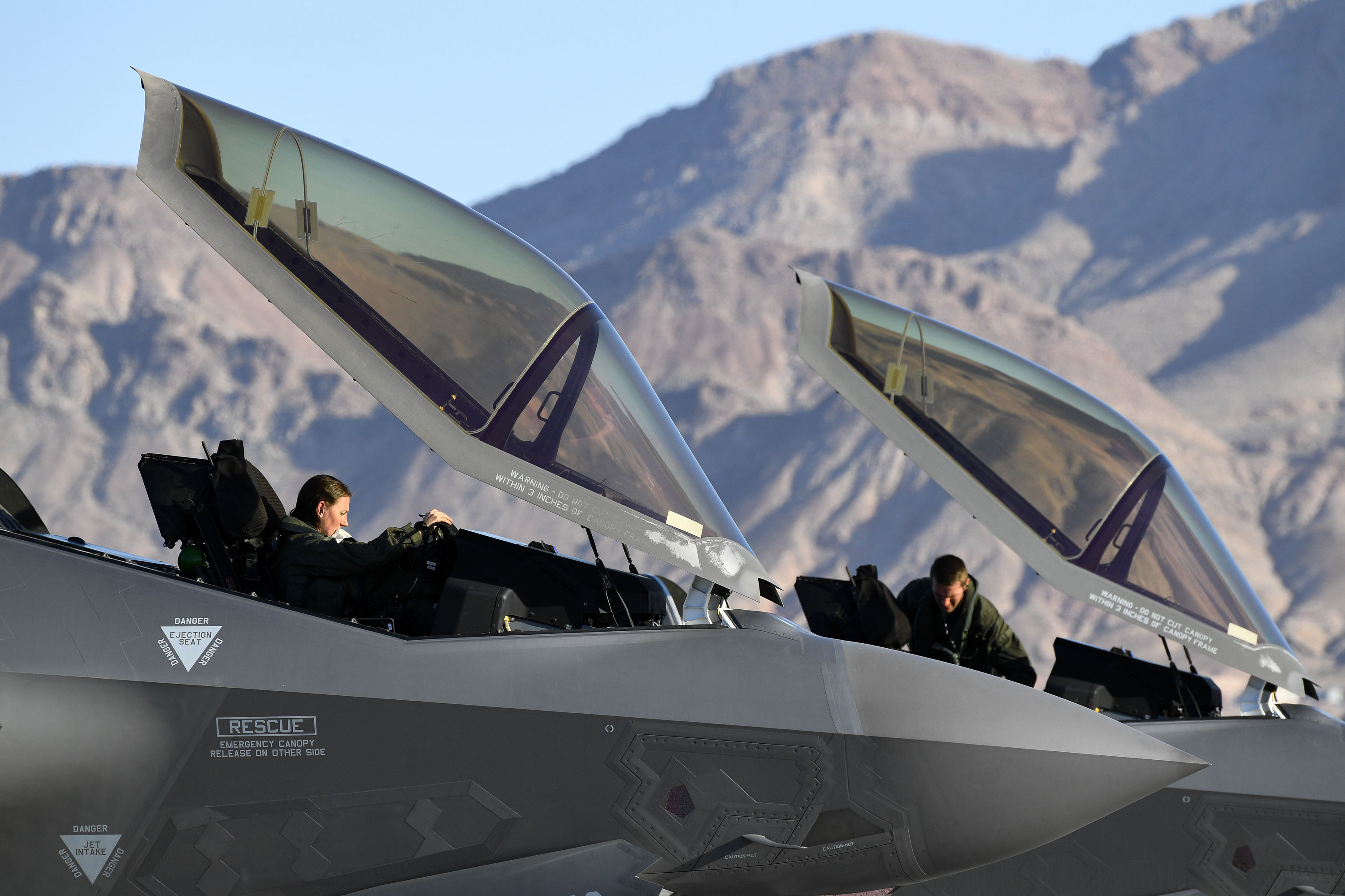 The US Air Force is removing height restrictions for pilots, which will allow more women to serve