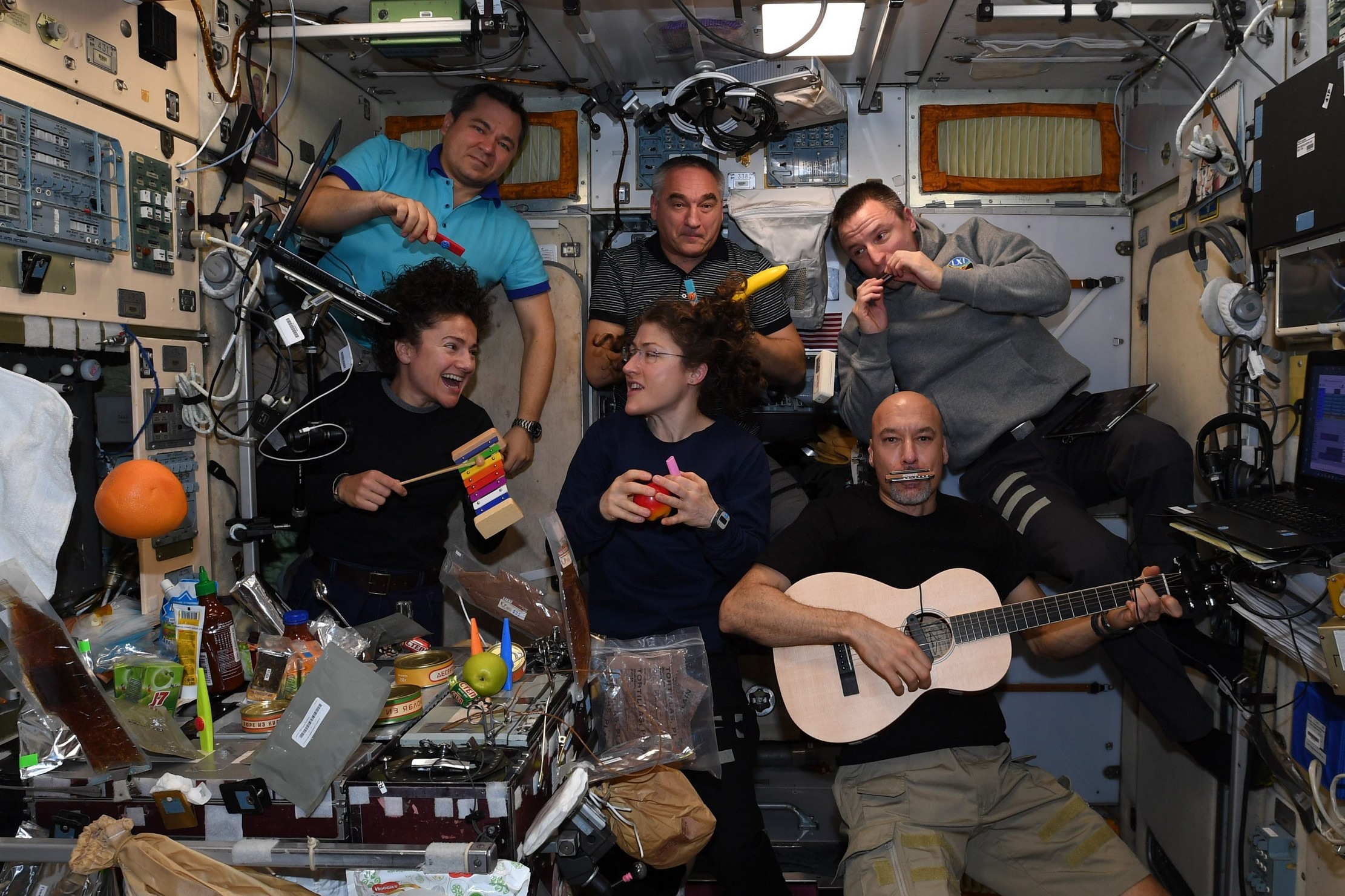 This is how astronauts celebrate Christmas and other holidays in space