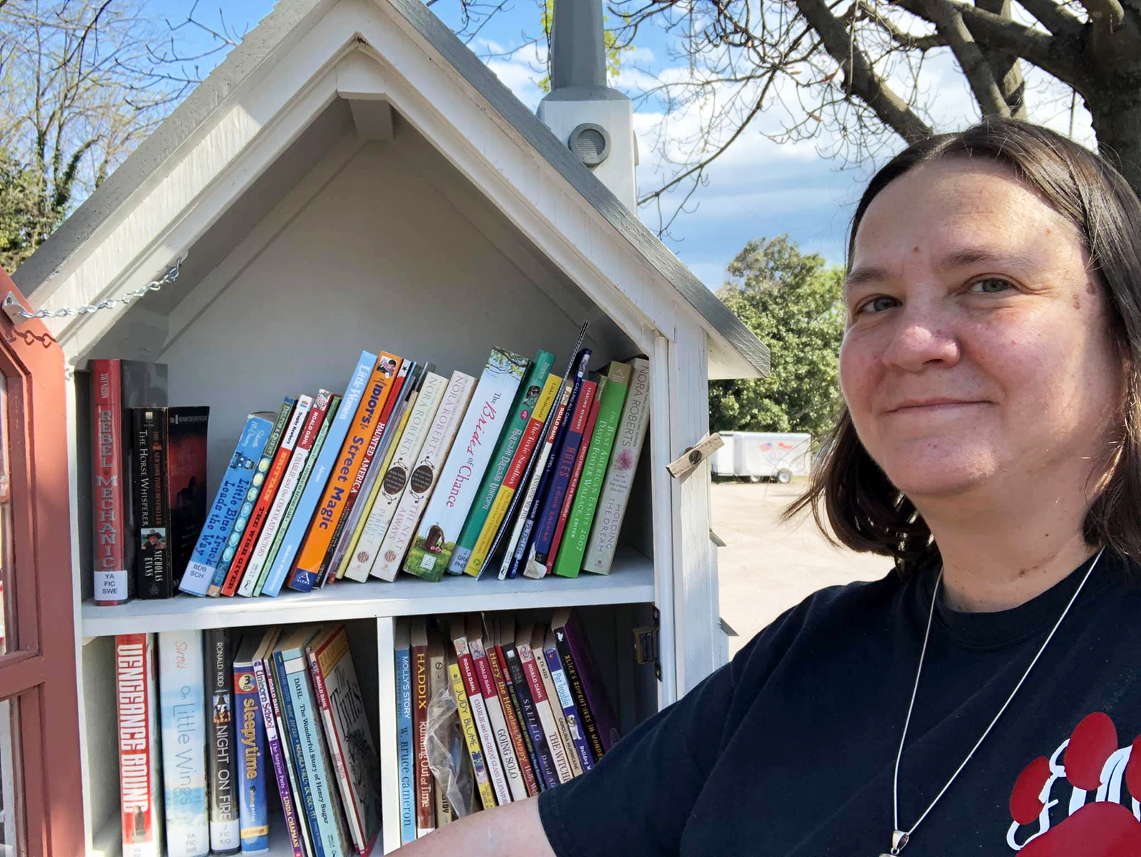 A woman, nicknamed 'book lady,' wants to give away 1 million books to her community