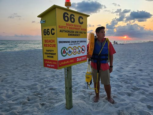 Image for A 13-year-old invents an emergency kit to prevent drownings on Florida beaches