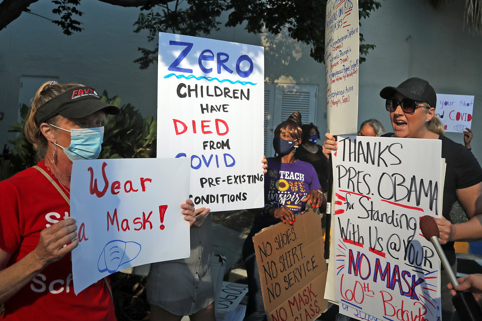 Broward County Public Schools vote to maintain mask mandate despite Florida governor's executive order to leave masks up to parents