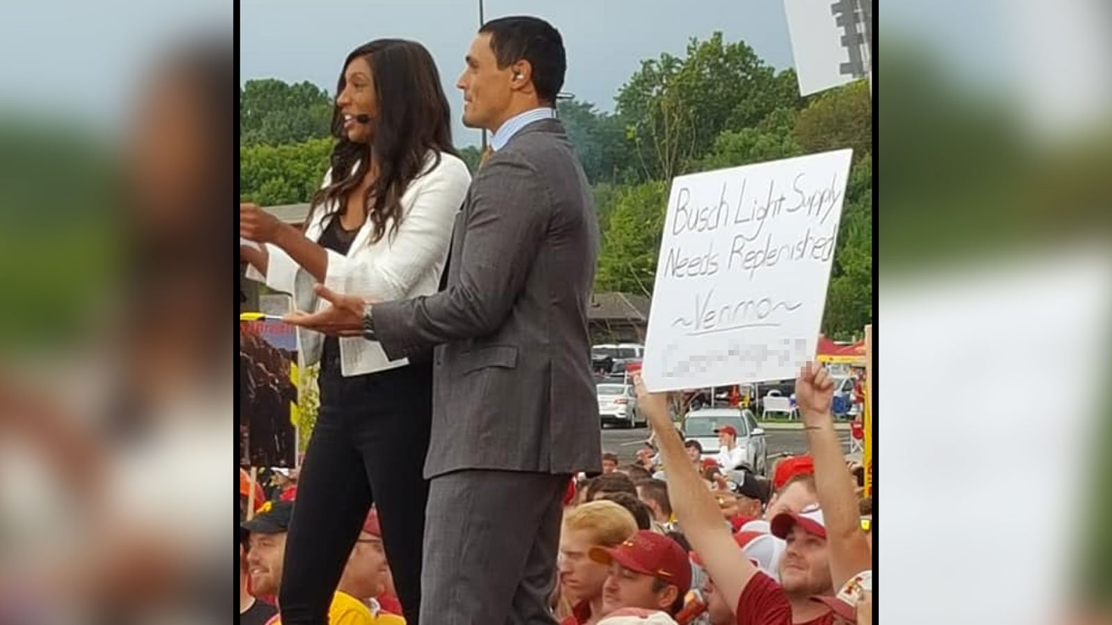 A fan held a sign on 'College GameDay' asking people to Venmo him money for beer. Now he's donating it all to a children's hospital