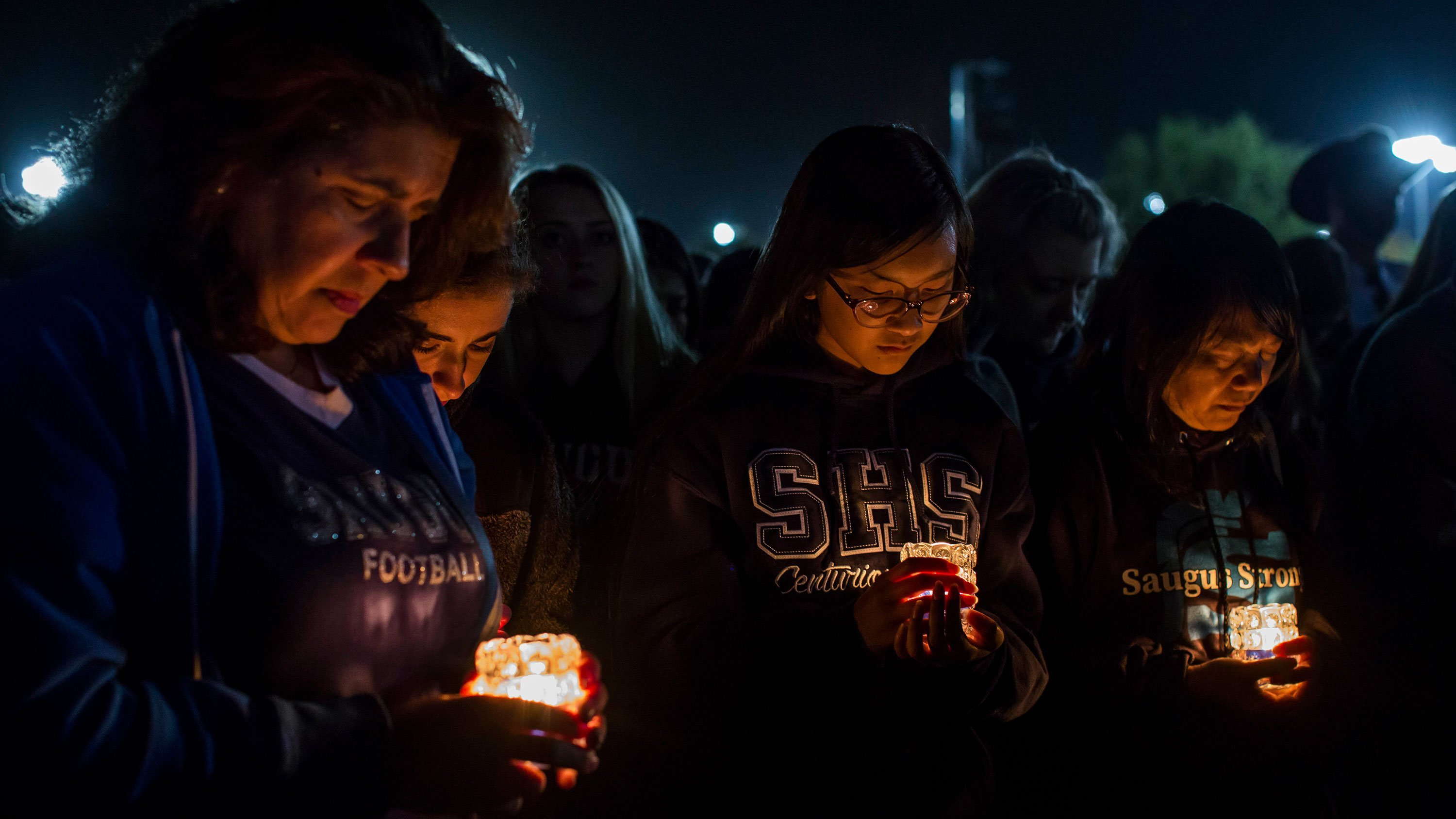 10,000 mourners honor the teens killed in the Santa Clarita school shooting