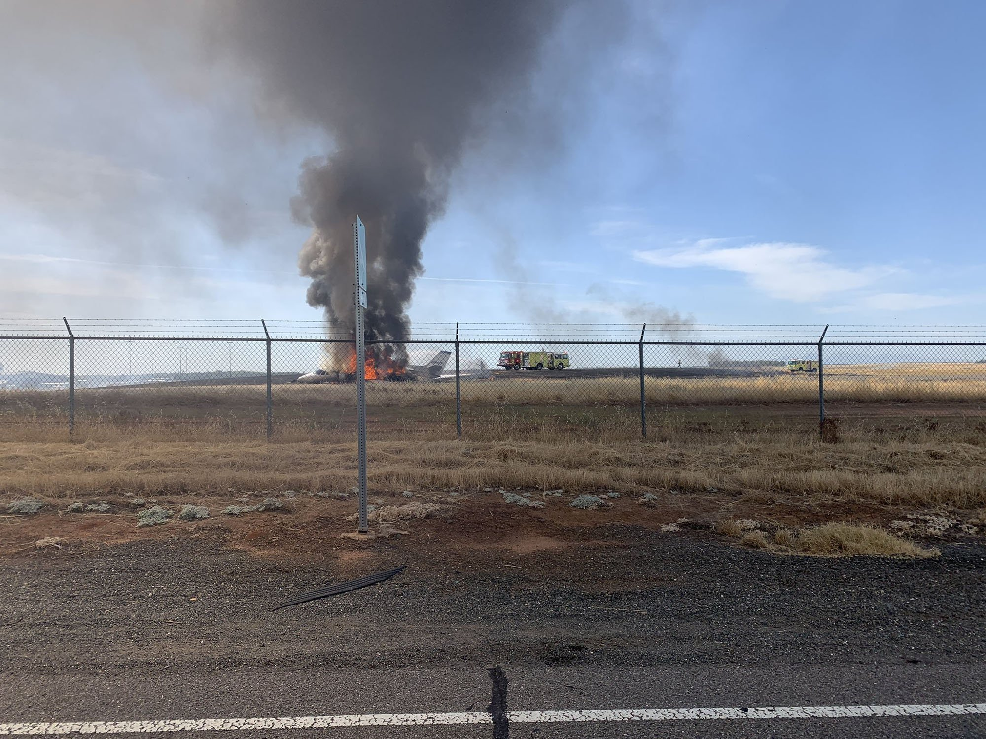10 people walk away uninjured from a small plane crash in Oroville, California