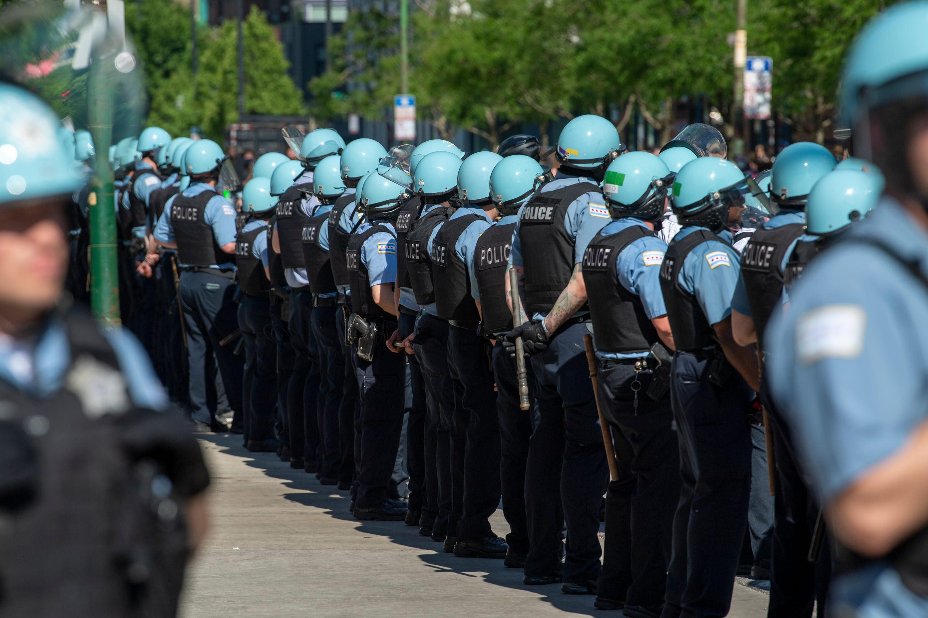 More than a third of Chicago police officers defy city vaccine mandate