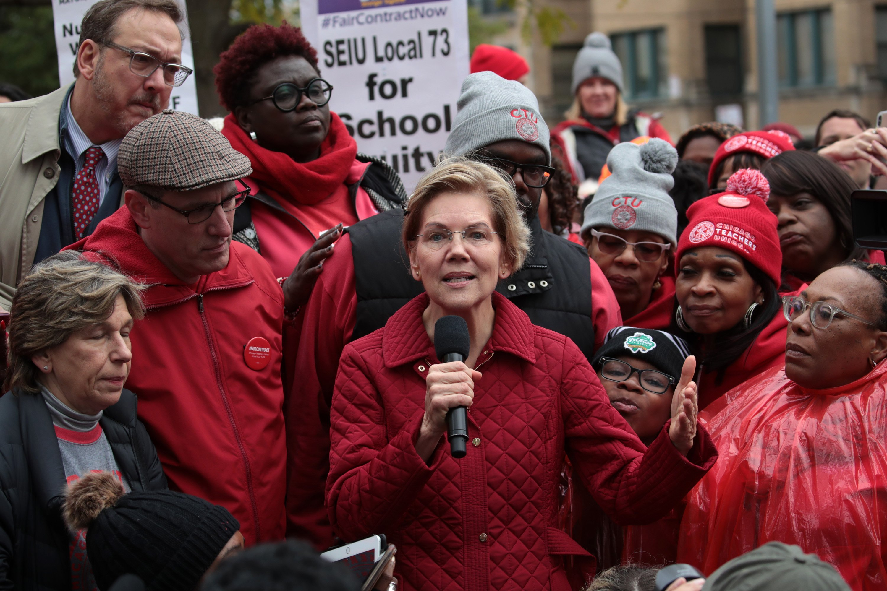 Chicago students play board games as Elizabeth Warren joins Day 4 of the teachers' strike