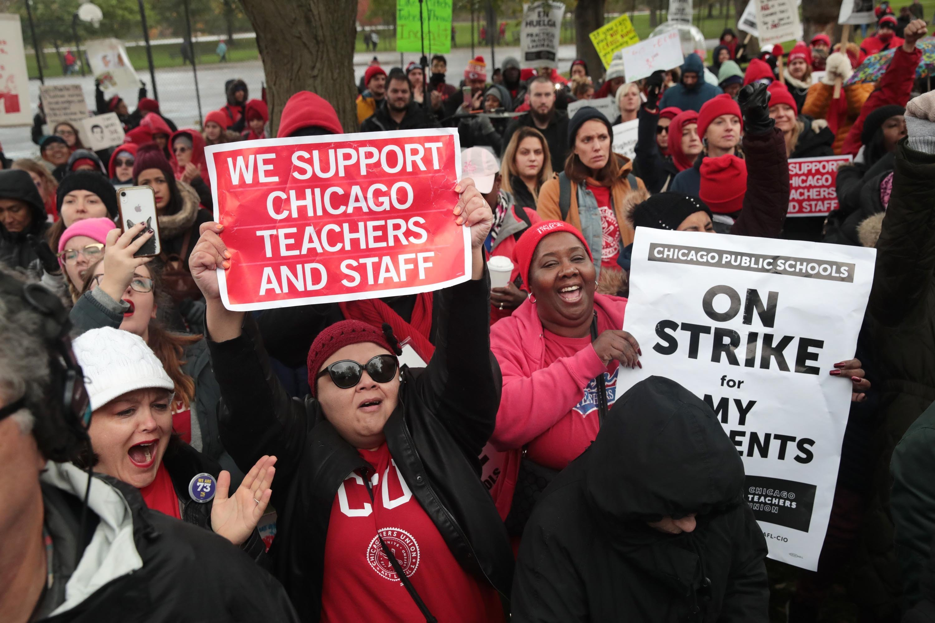 Chicago teachers vote to accept a tentative agreement after 11-day strike