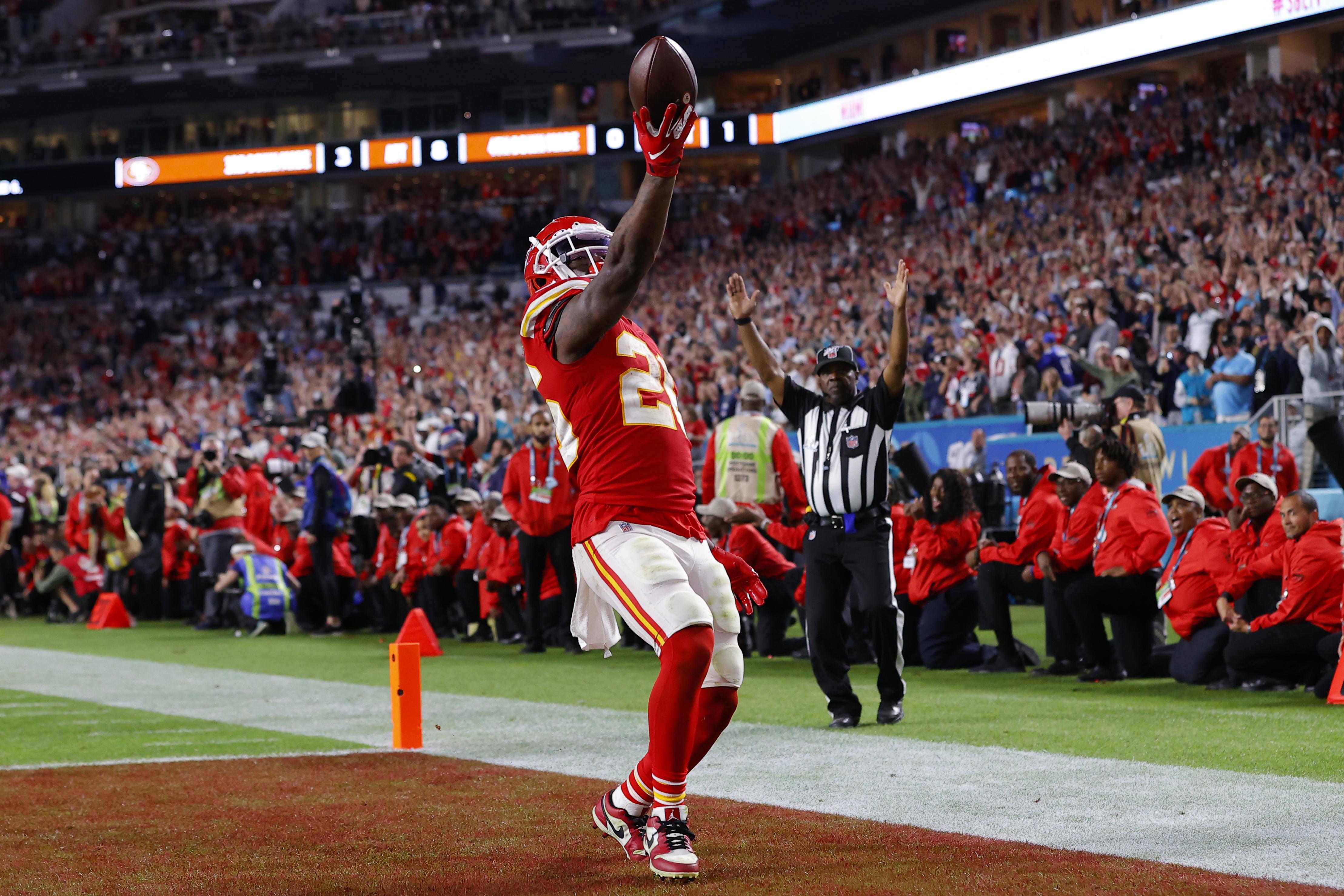 """ผลการค้นหารูปภาพสำหรับ Led by Patrick Mahomes, Chiefs pull off epic Super Bowl comeback"""""""